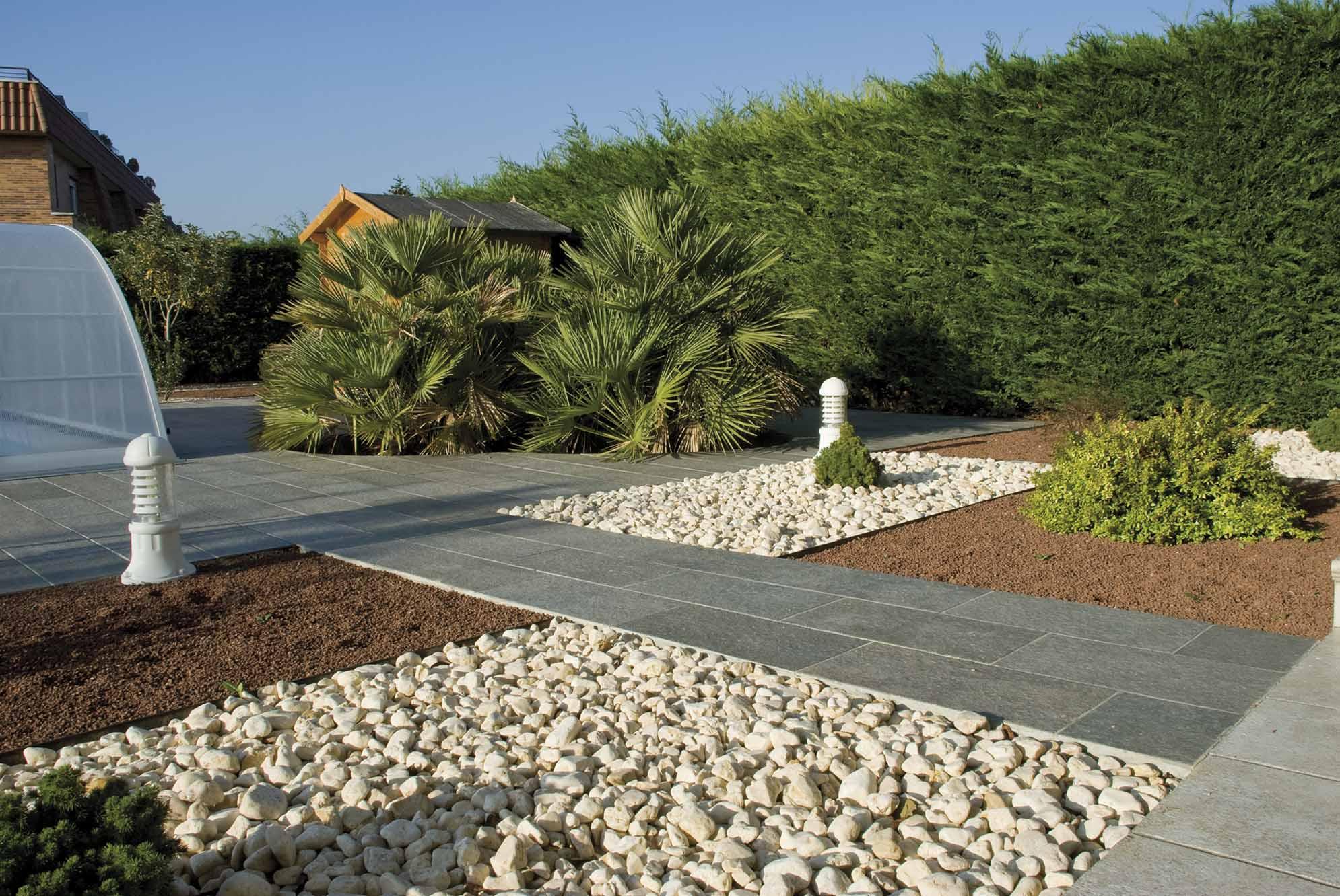 Aridos proyectos echarri - Jardin bajo mantenimiento ...
