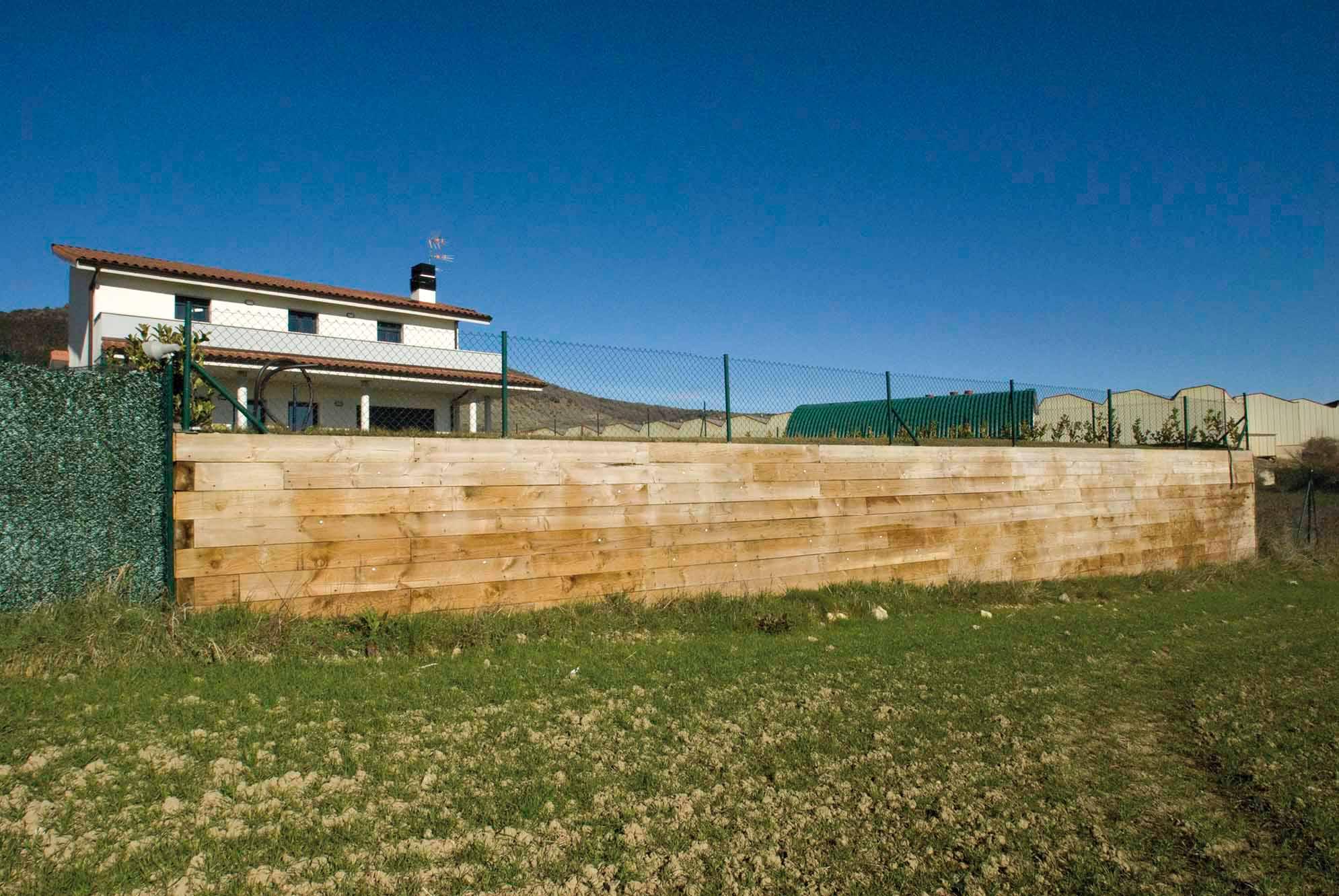 desnivel-jardin-muro-traviesas-navarra2