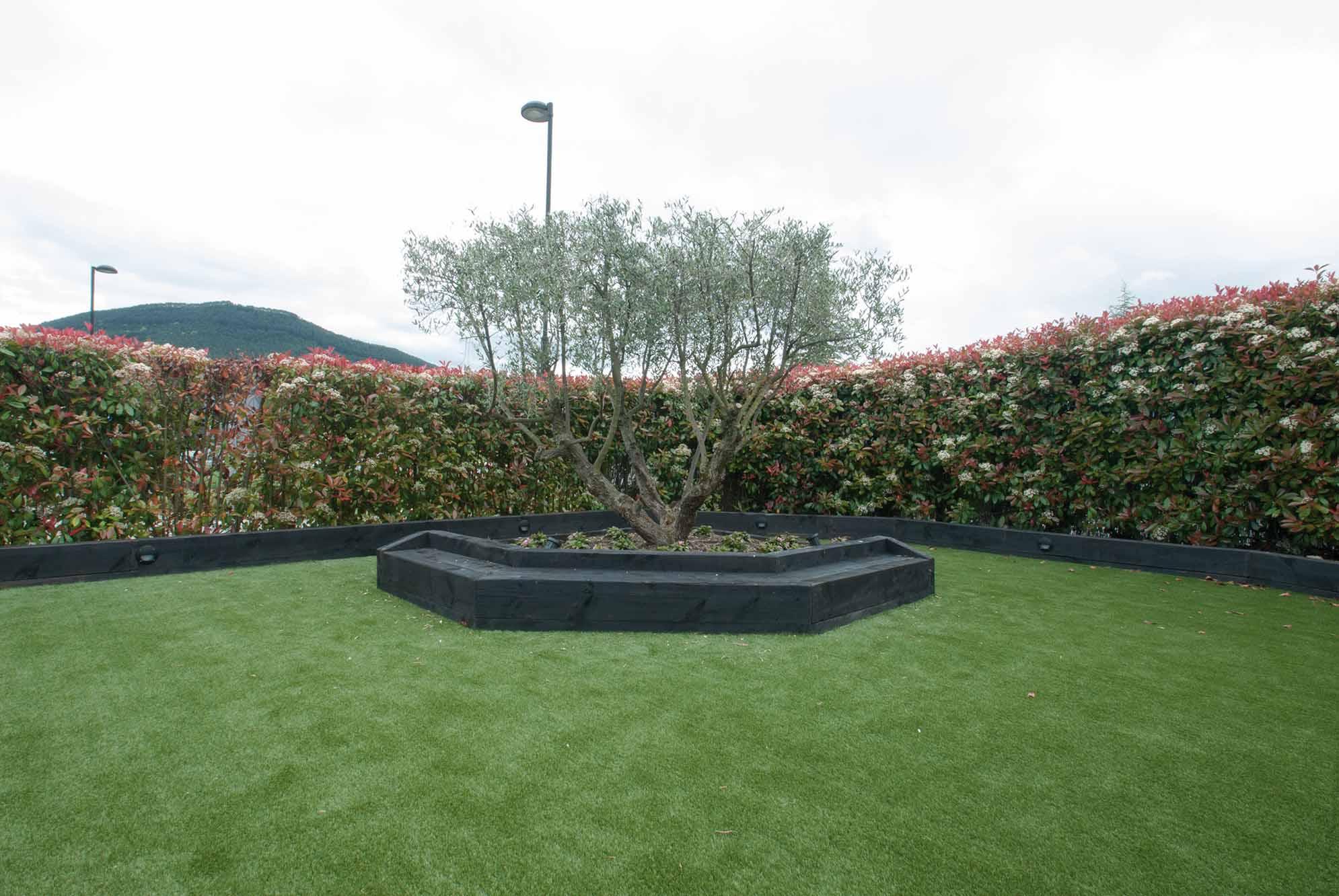 jardin-cesped-artificial-traviesas-aridos1