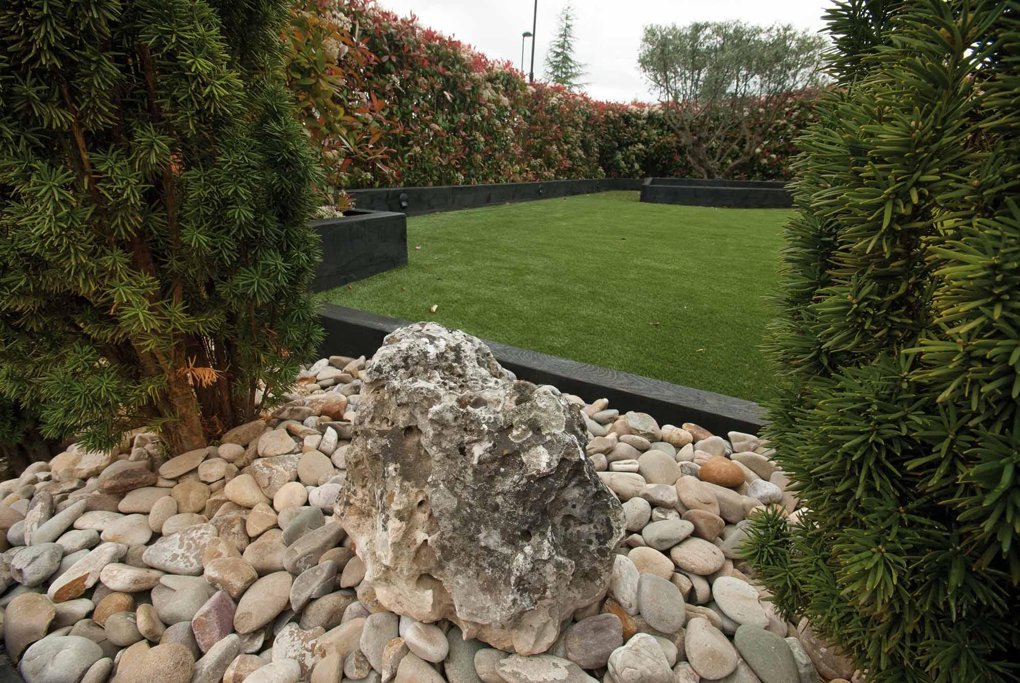 jardin-cesped-artificial-traviesas-aridos4