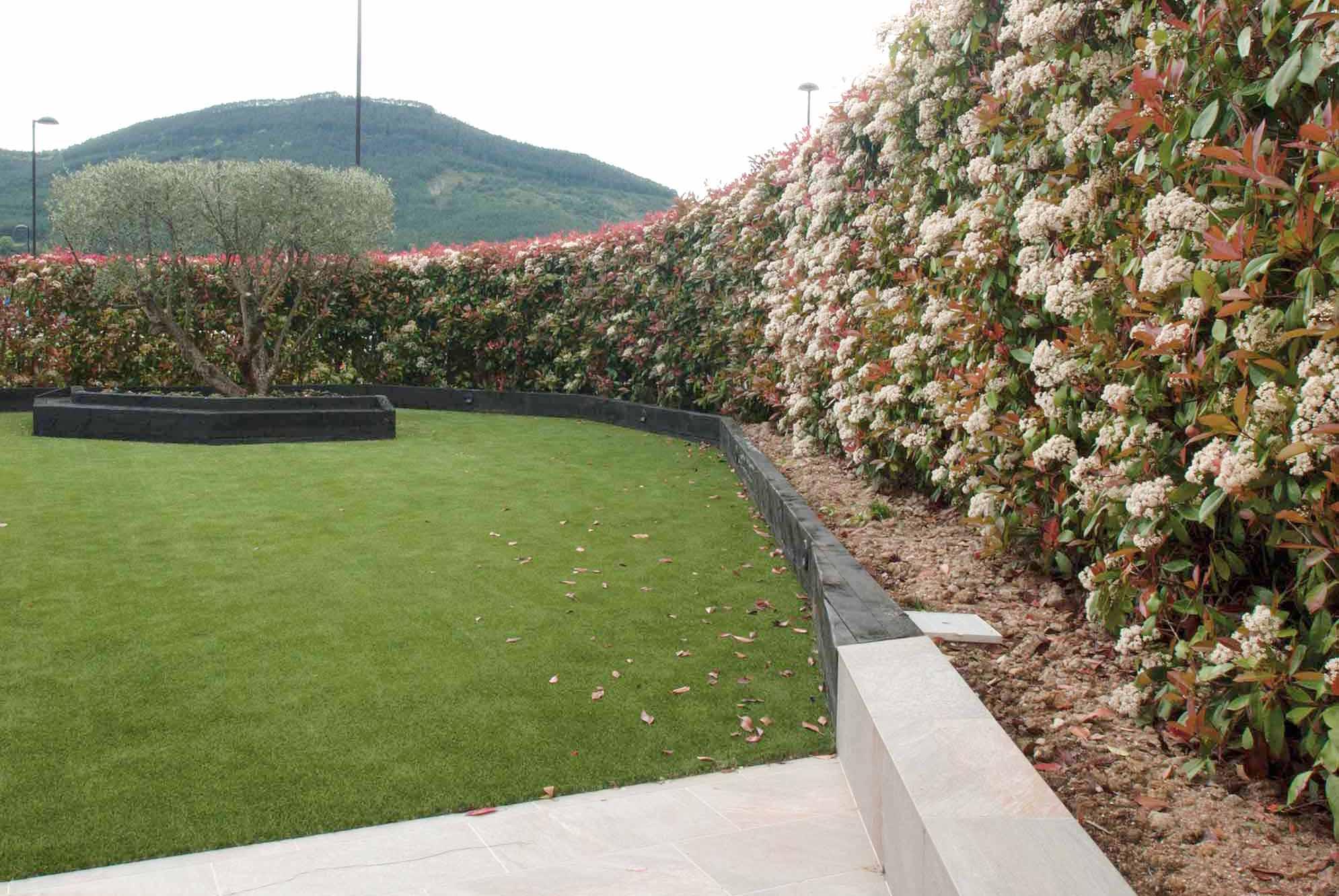 jardin-cesped-artificial-traviesas-aridos6