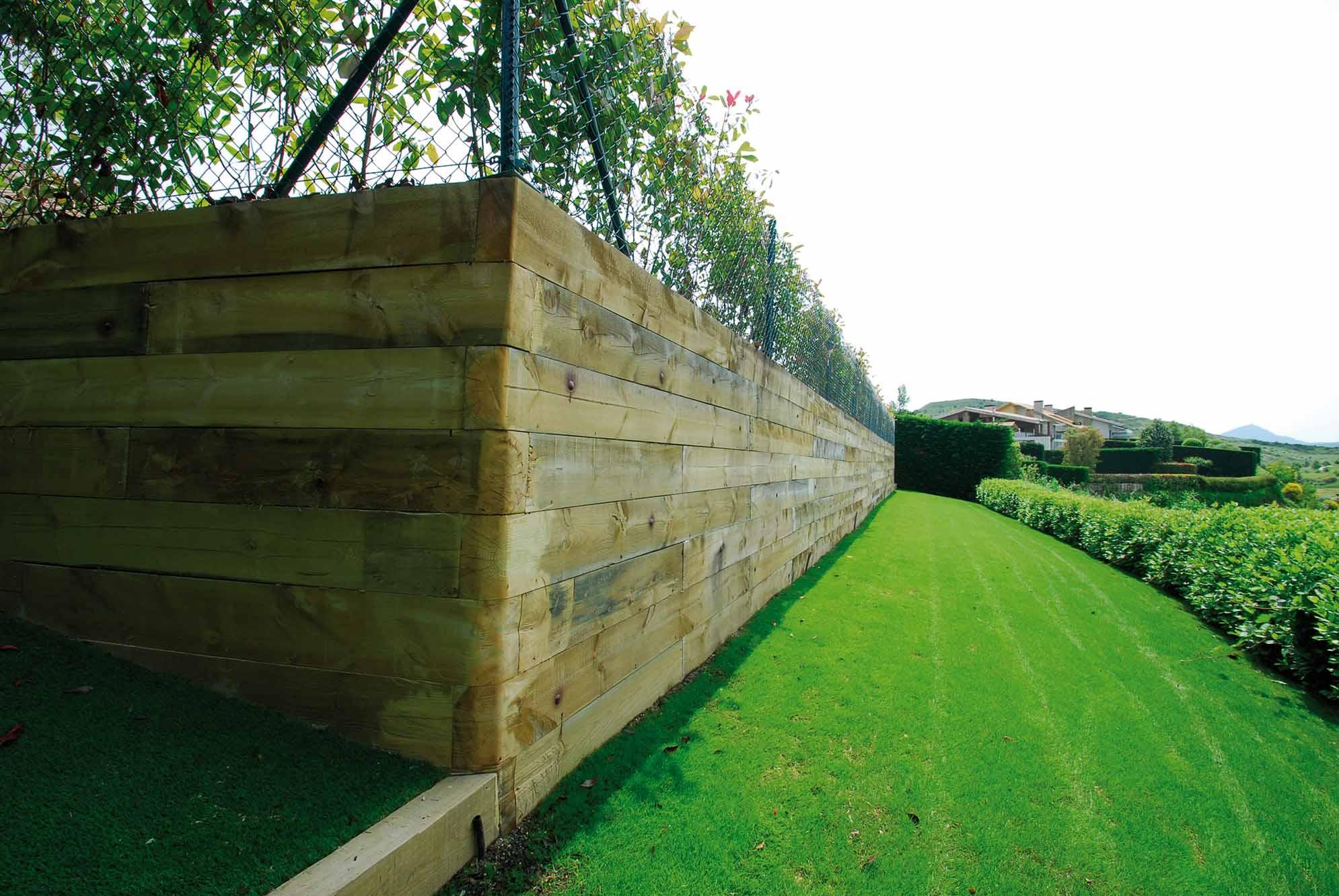 muro-contencion-traviesas-madera-5