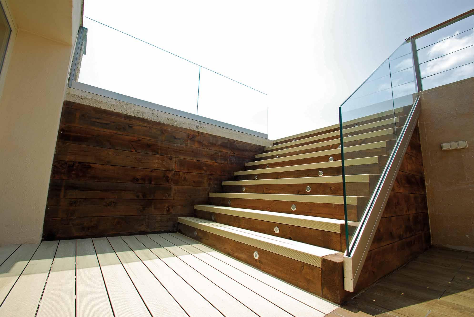 muro-contencion-traviesas-madera-7