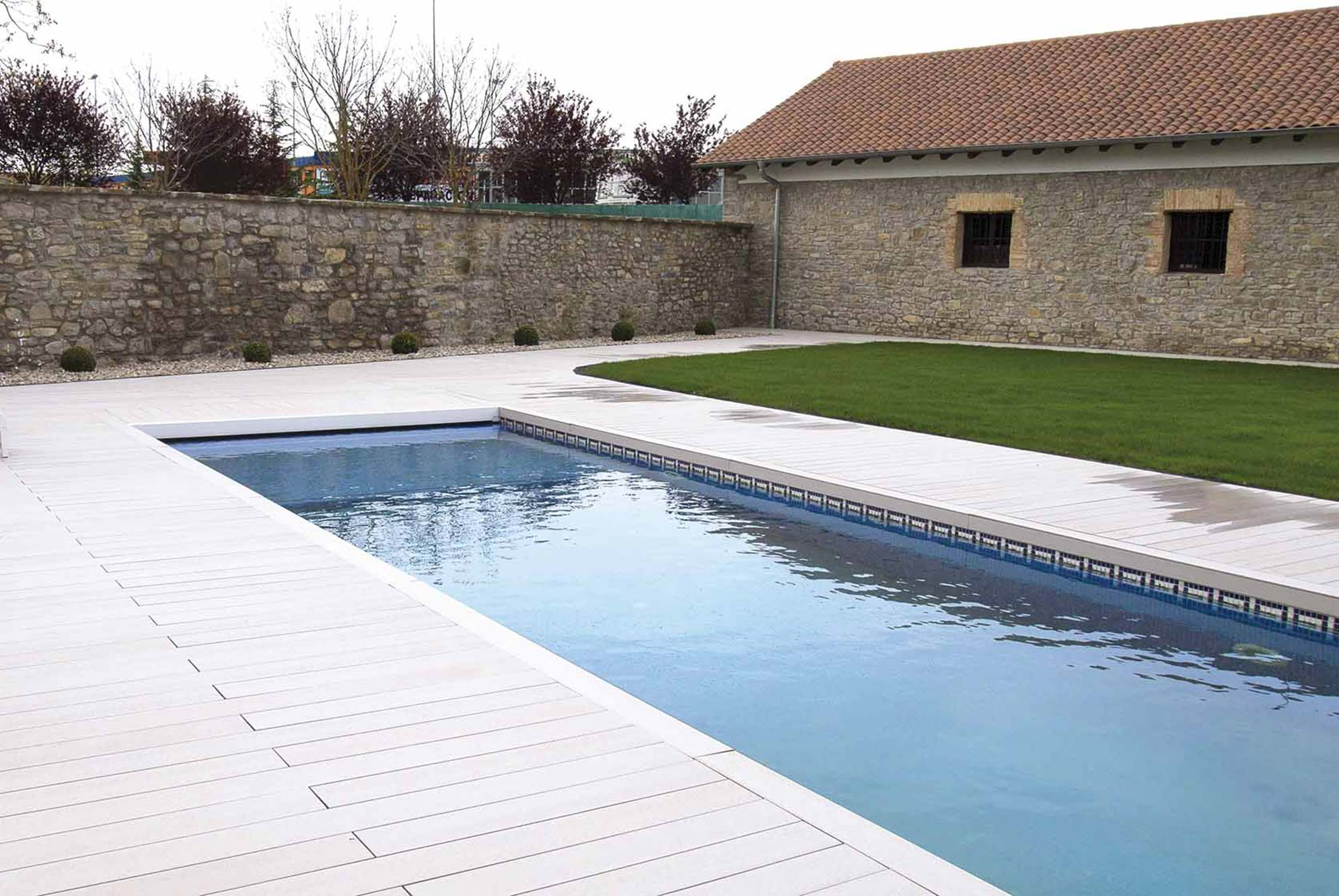 piscinas-jardin-9