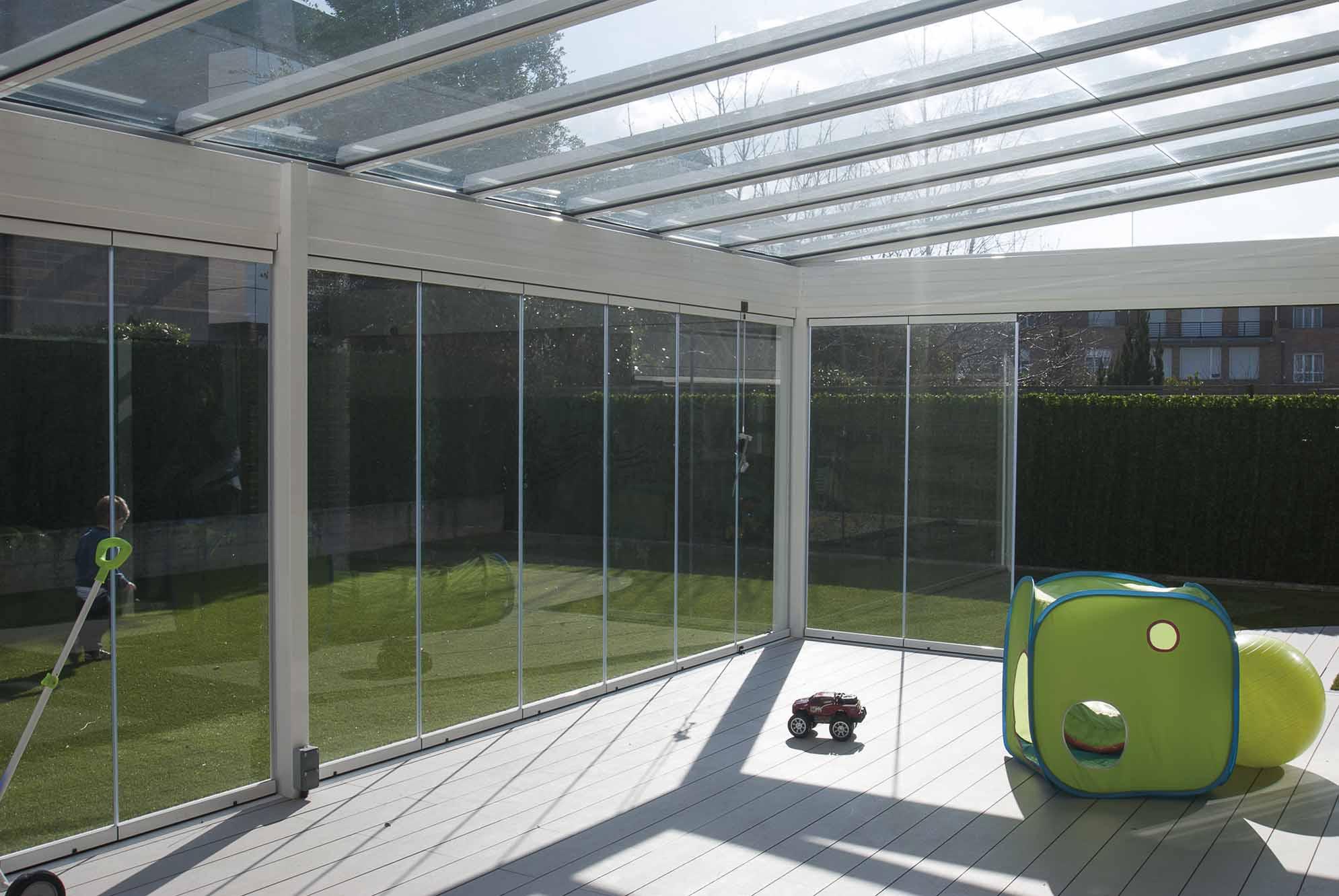 porche-aluminio-cristal-jardin-1