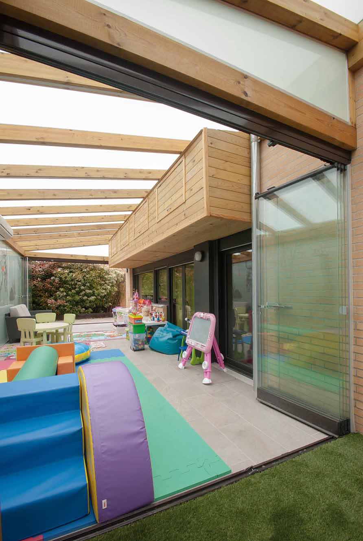 porche-madera-techo-acristalado-lumon6