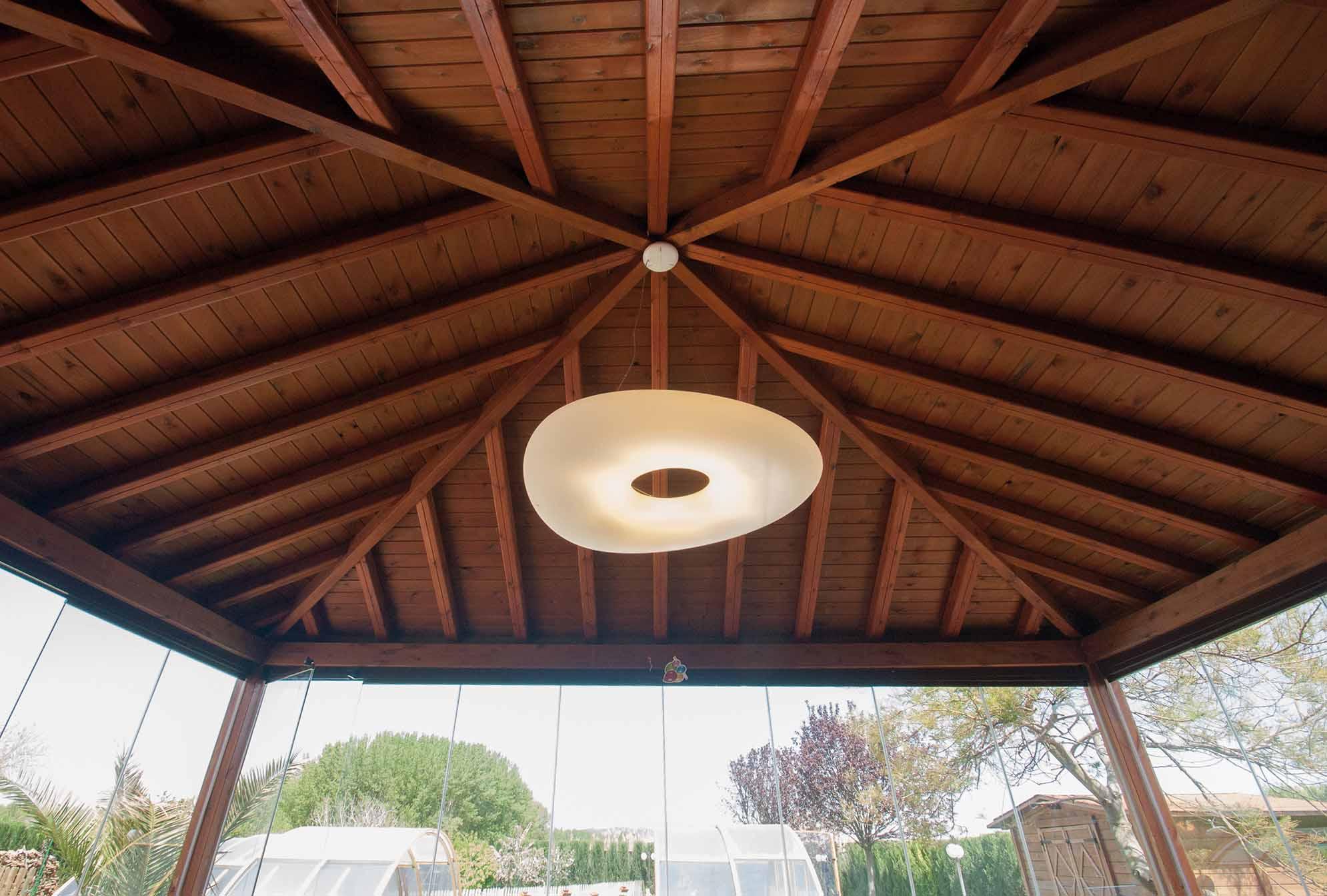 porche-techo-madera-friso