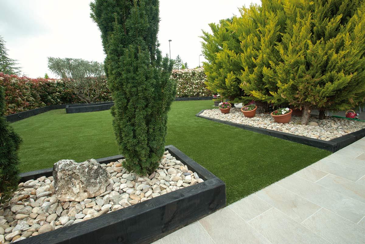 jardin-cesped-artificial-traviesas