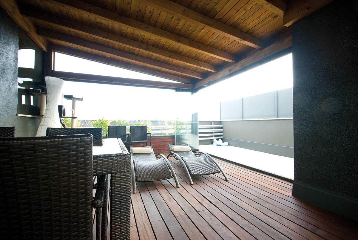 porche-cubierta-madera-atico