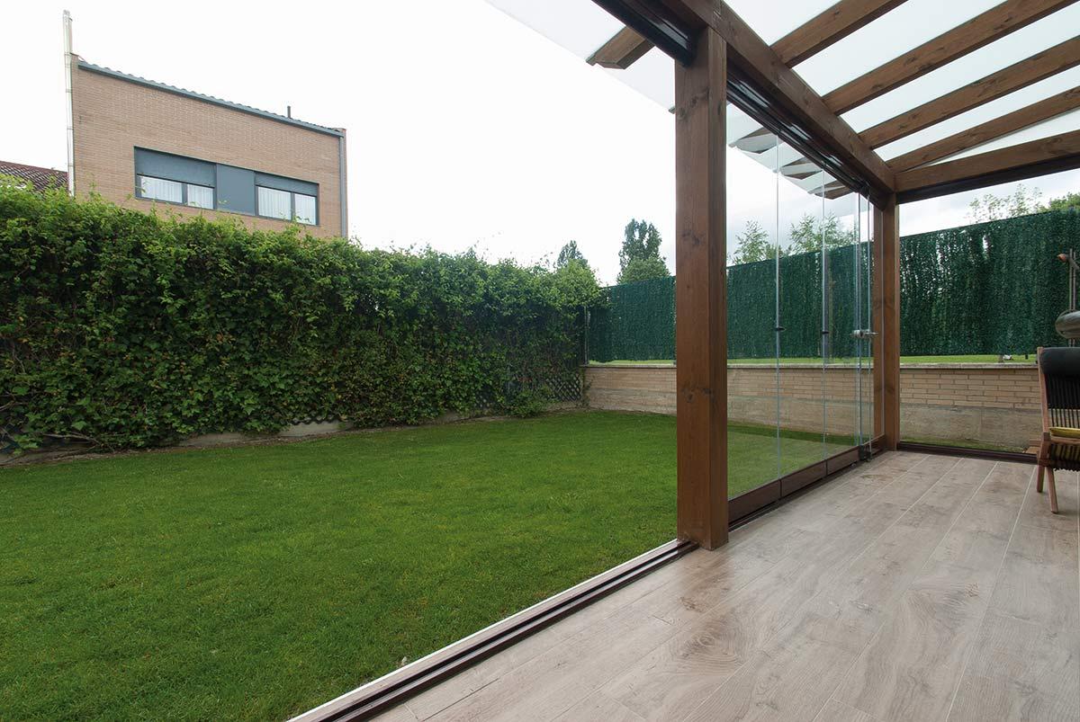 porche-jardin-cerramiento-cortinas-cristal-lumon-4