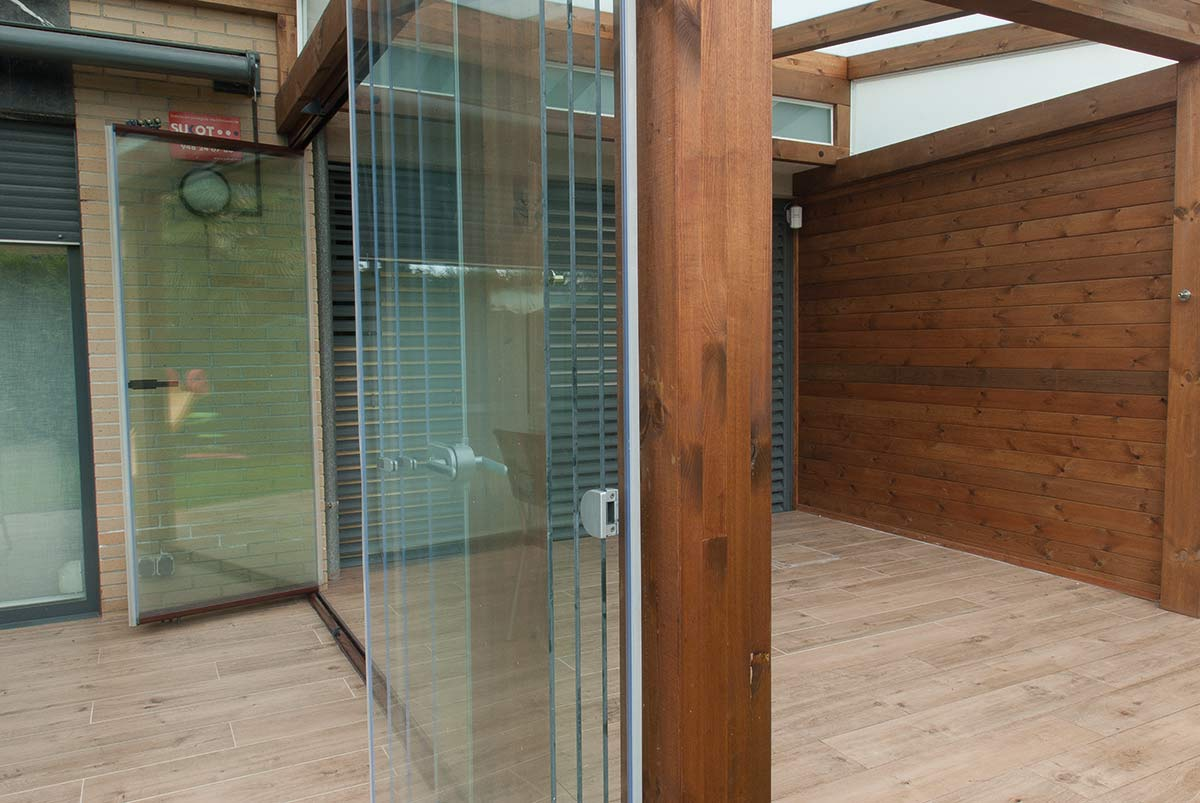 porche-jardin-cerramiento-cortinas-cristal-lumon-8