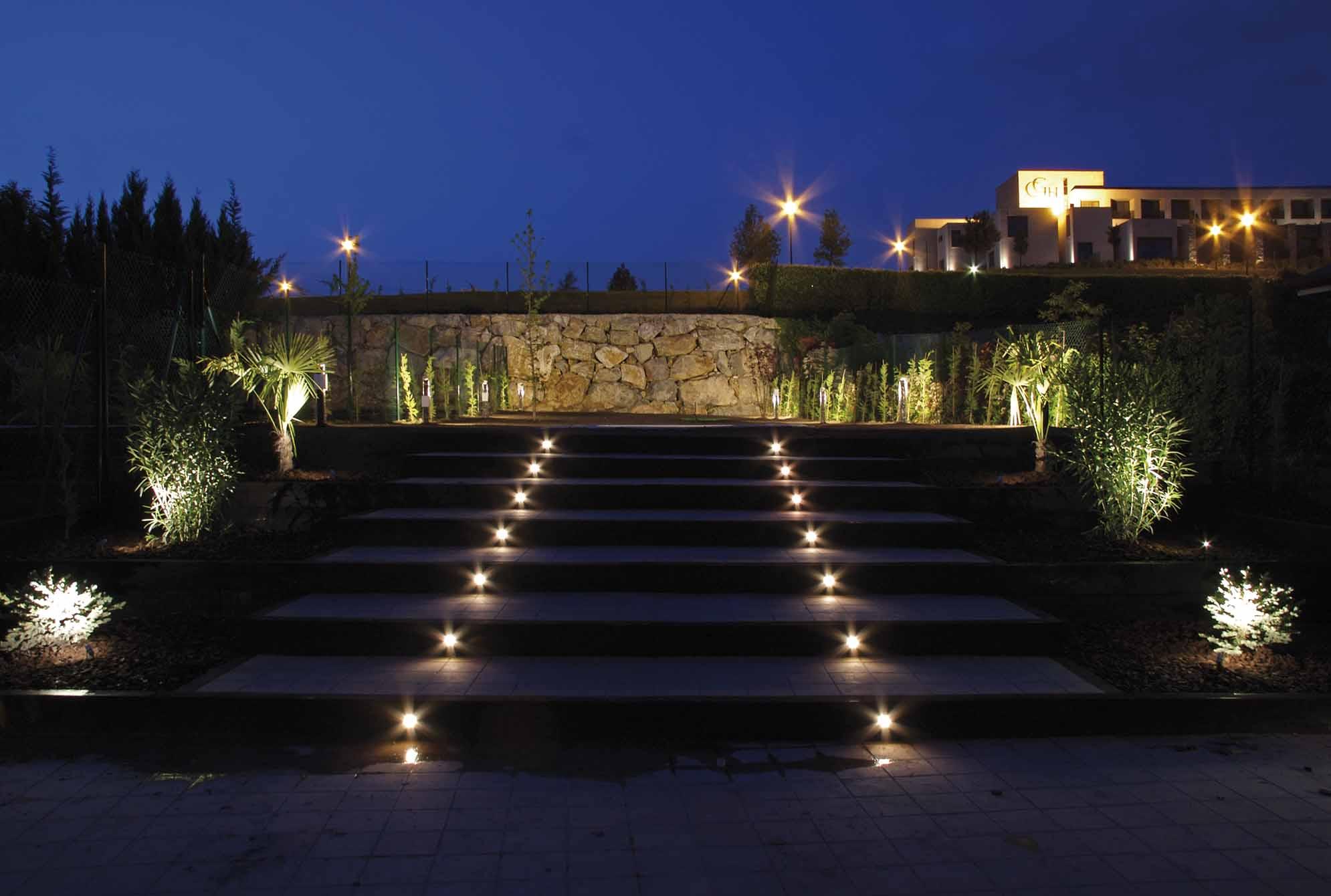 proyectos-iluminacion-jardin-7