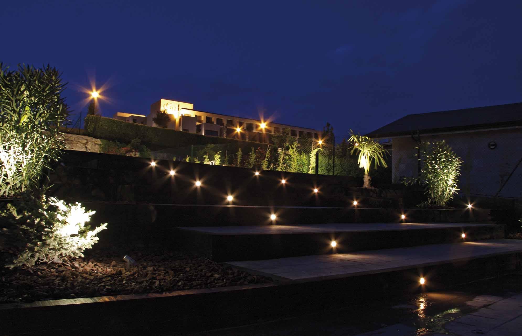 proyectos-iluminacion-jardin-8