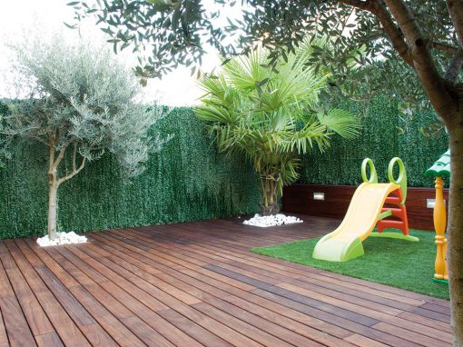 Jardín con tarima natural de exterior