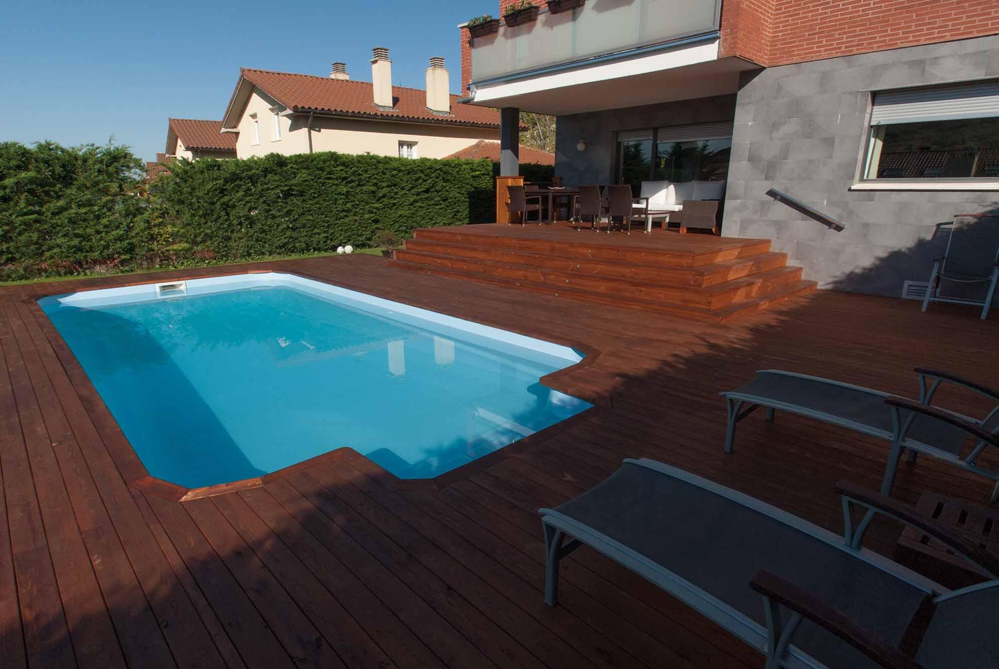 tarima-piscina-jardin-pino-nordico-2