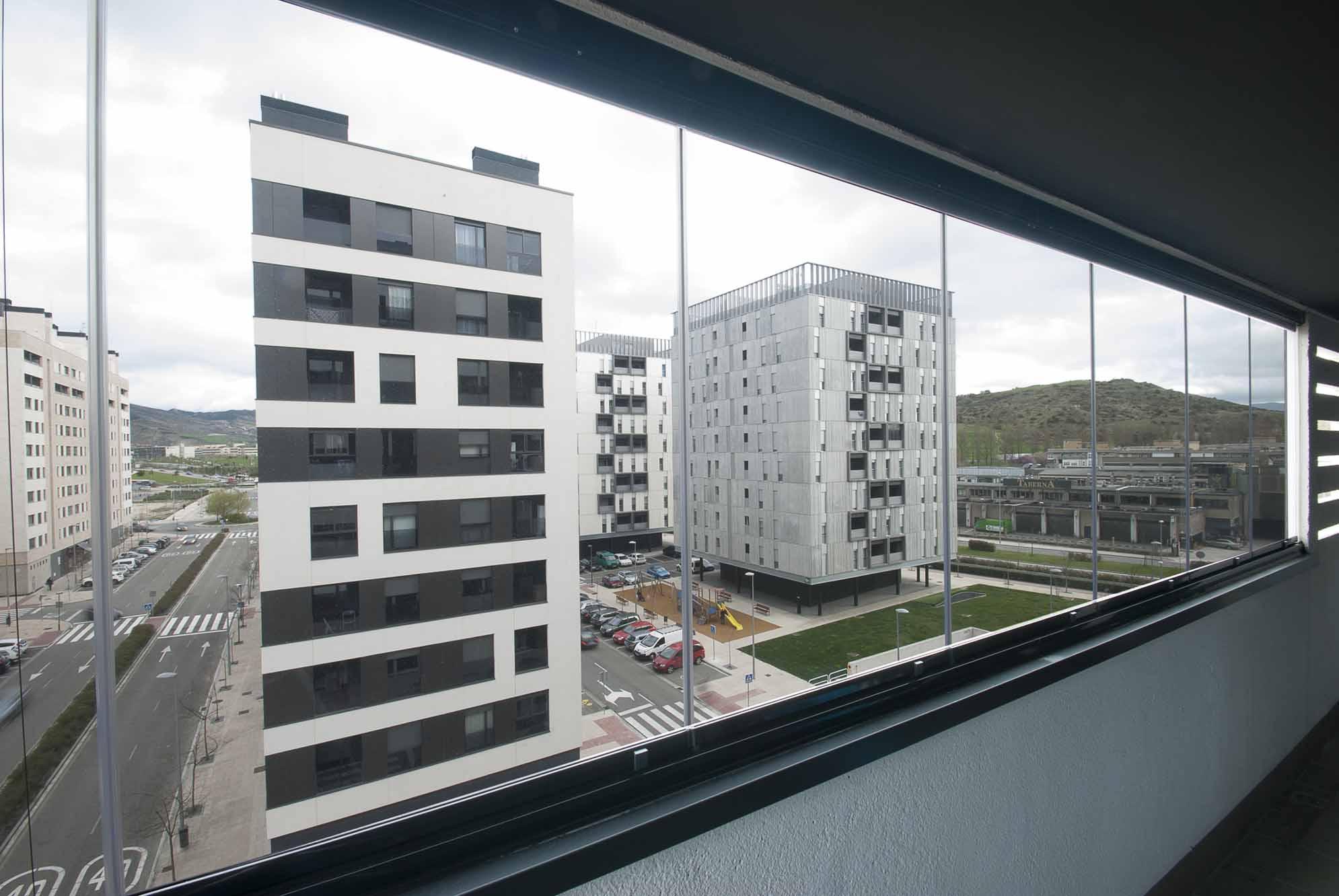 cerramiento-cristal-balcon-cortinas-cristal-lumon-2
