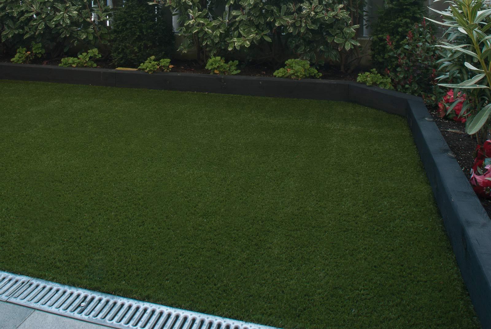 cesped-artificial-jardineras-traviesas-1