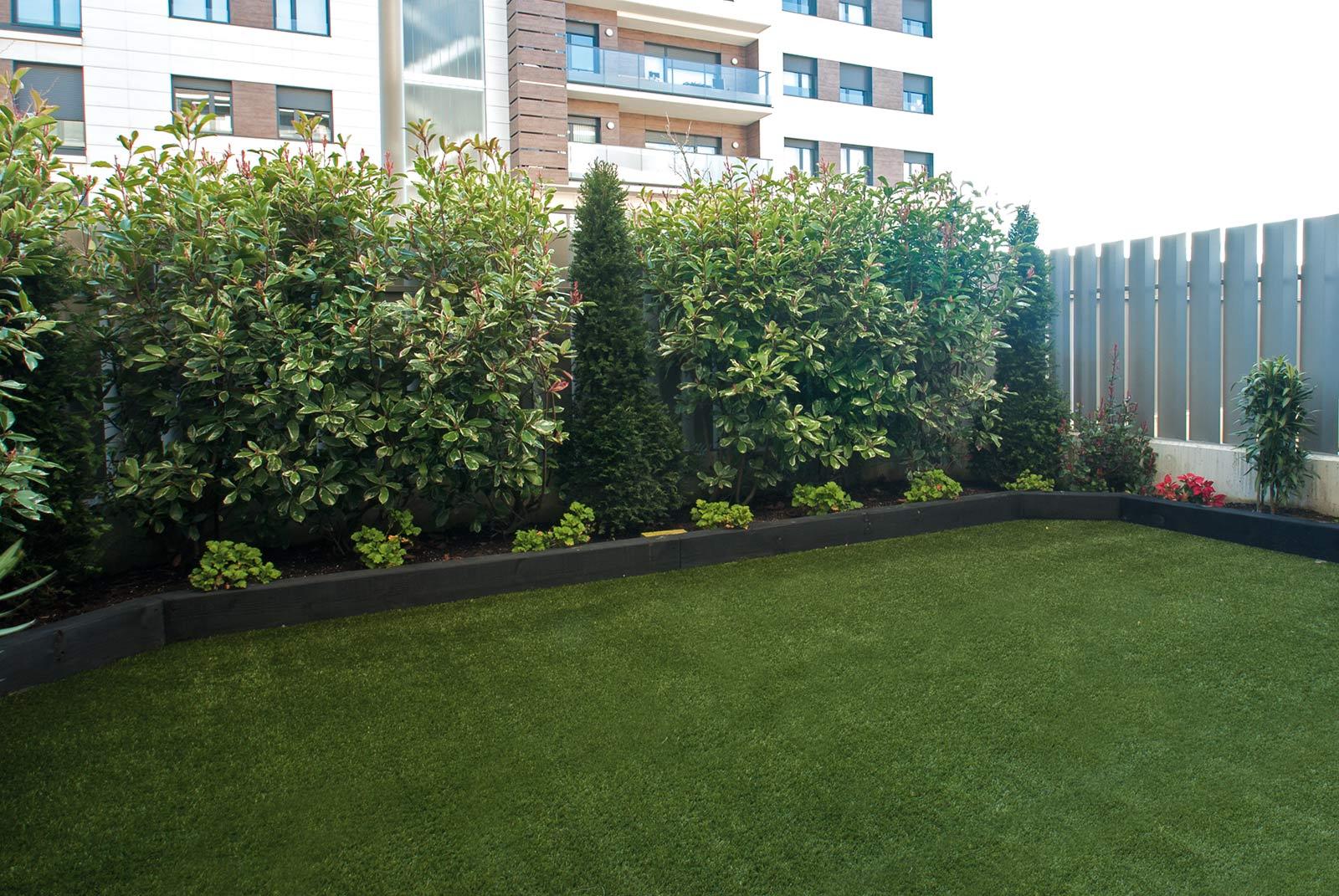 cesped-artificial-jardineras-traviesas-2