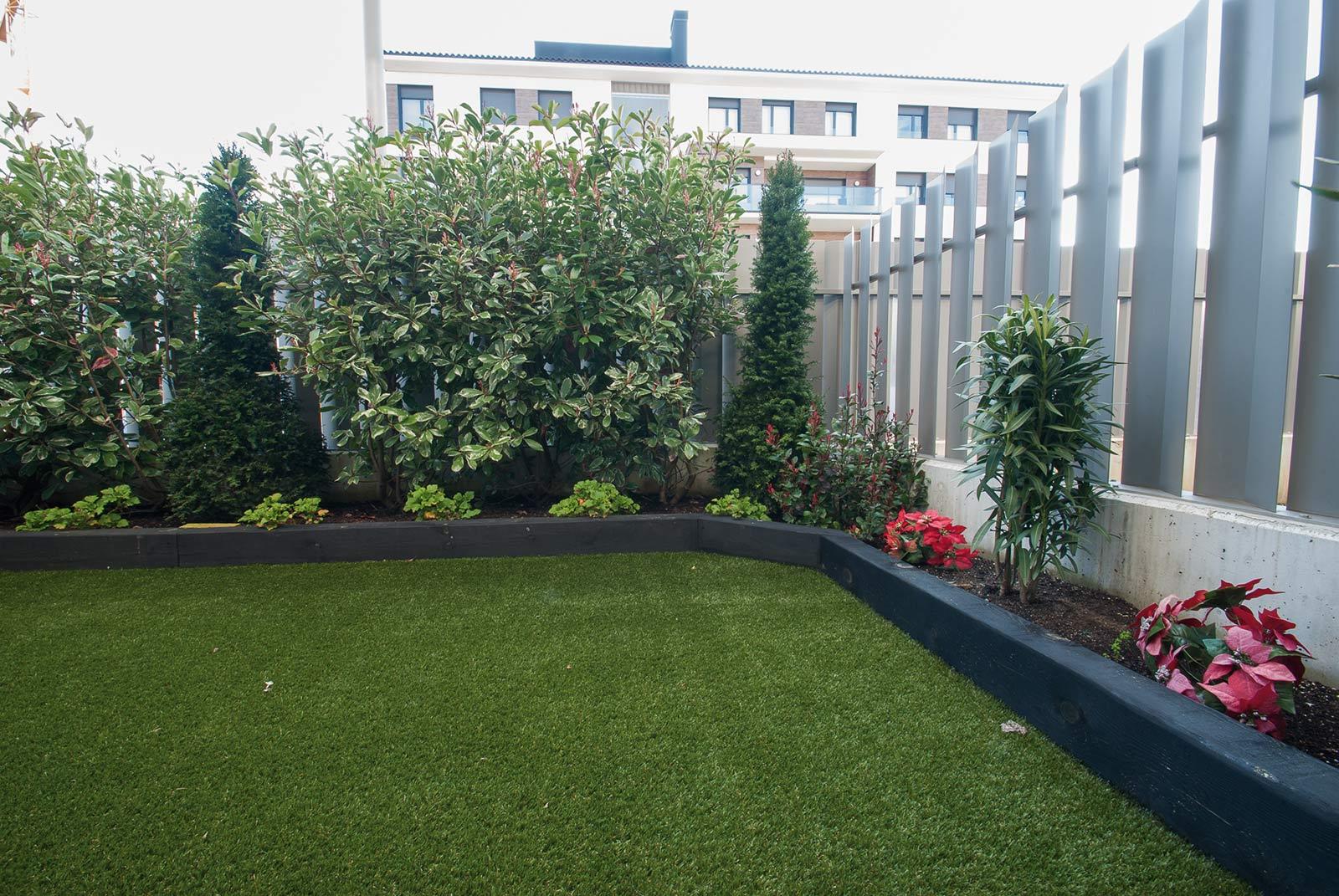 cesped-artificial-jardineras-traviesas-3