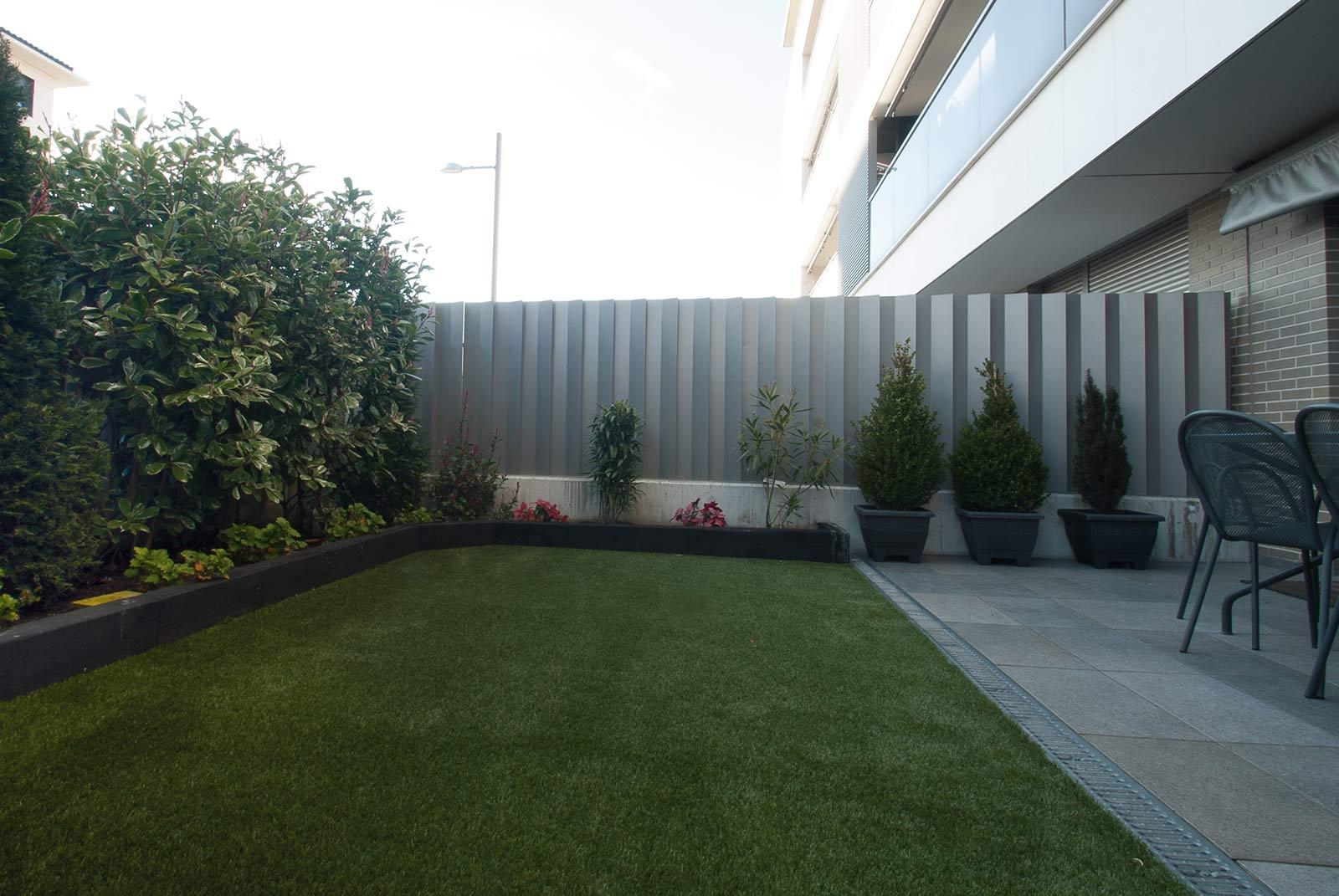cesped-artificial-jardineras-traviesas-4