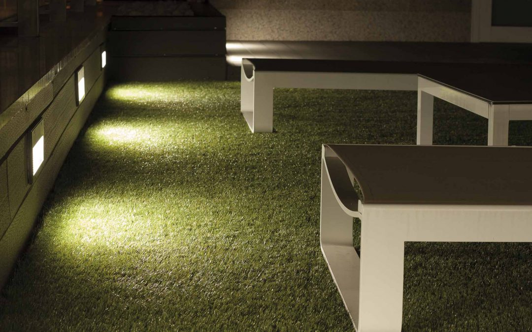 Iluminación de porche y jardín en ático