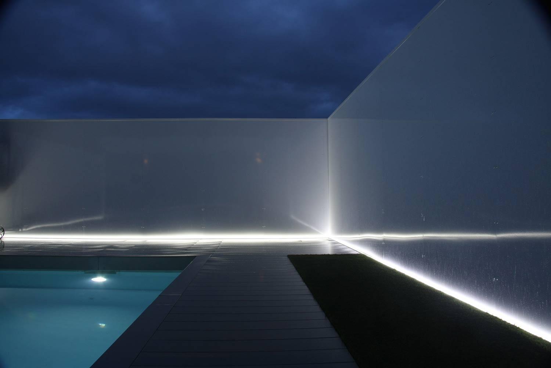iluminacion-jardin-piscina-unifamiliar-4