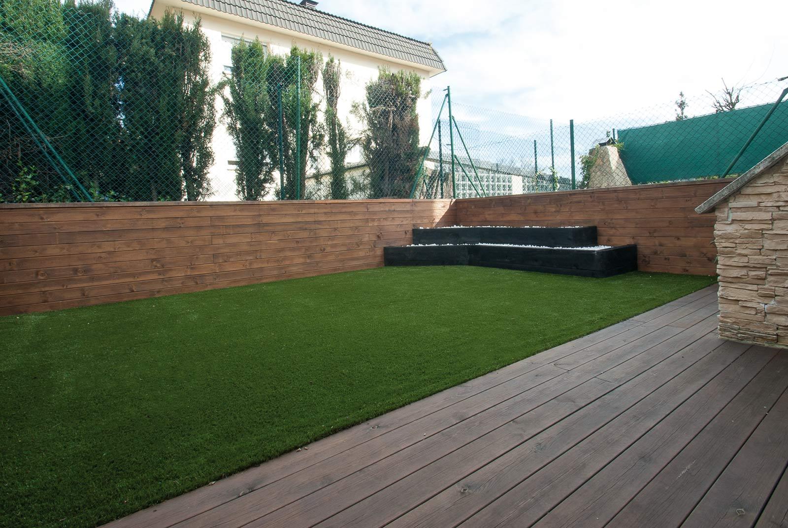 jardin-cespe-artificial-tarima-traviesas-3