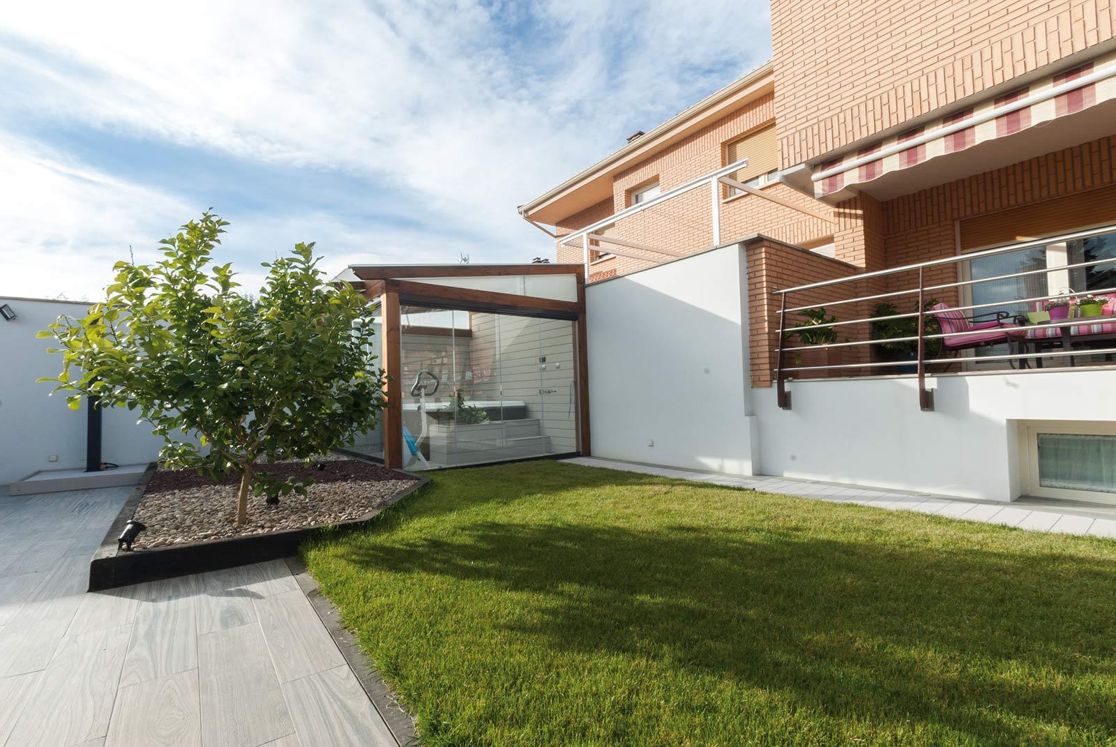 jardin-jacuzzi-porche1