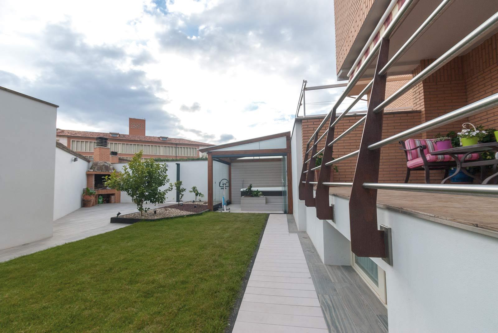 jardin-jacuzzi-porche13
