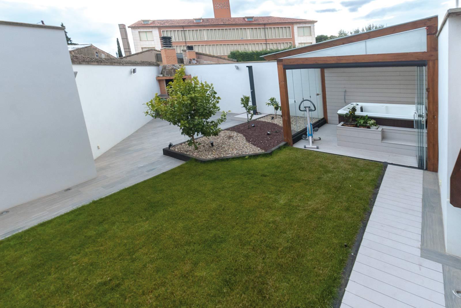jardin-jacuzzi-porche16