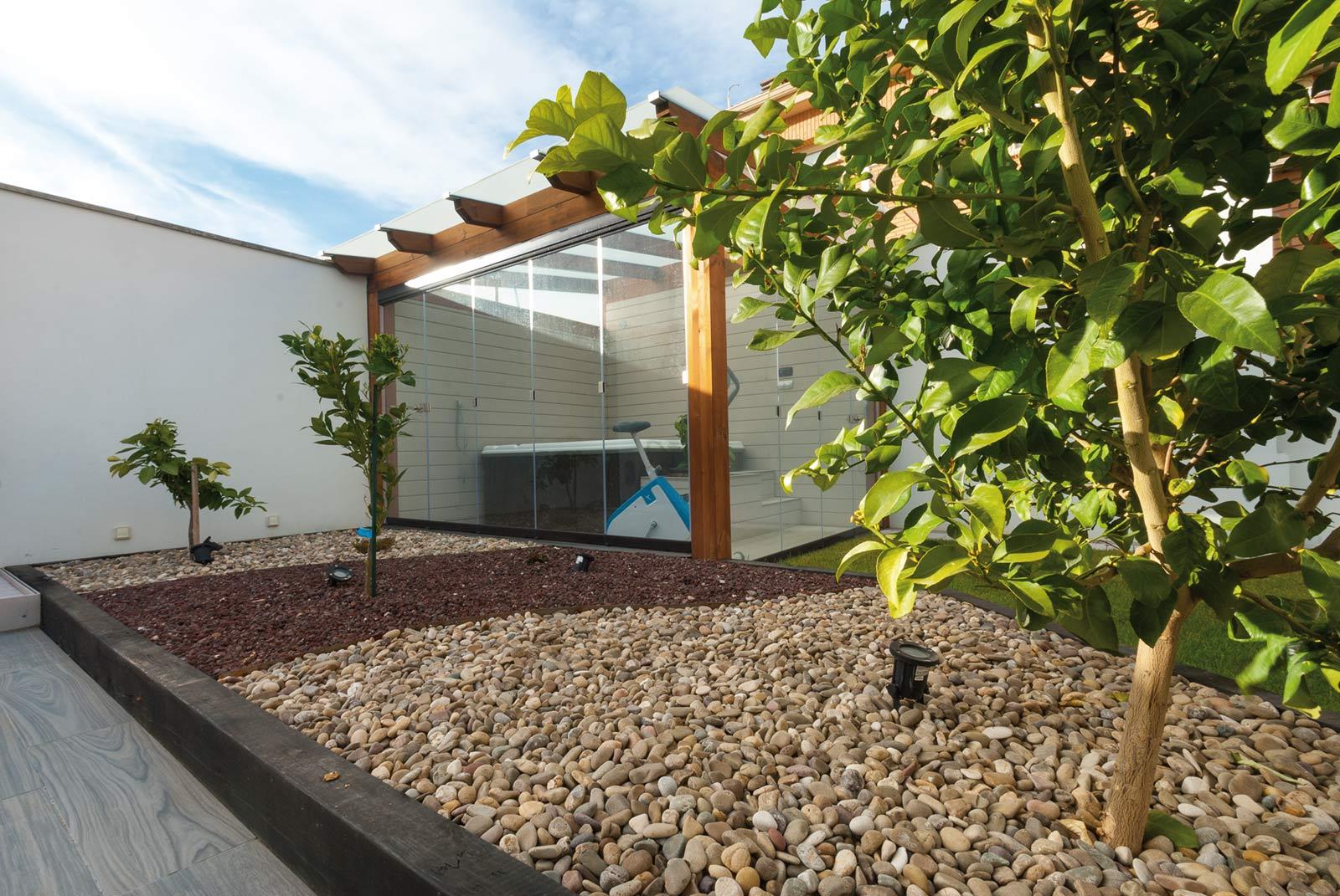 jardin-jacuzzi-porche3
