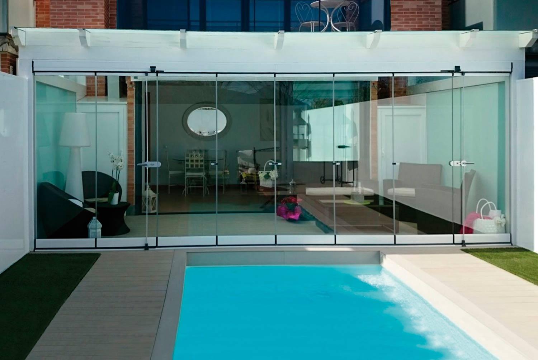 porche-acristalado-piscina-unifamiliar-4