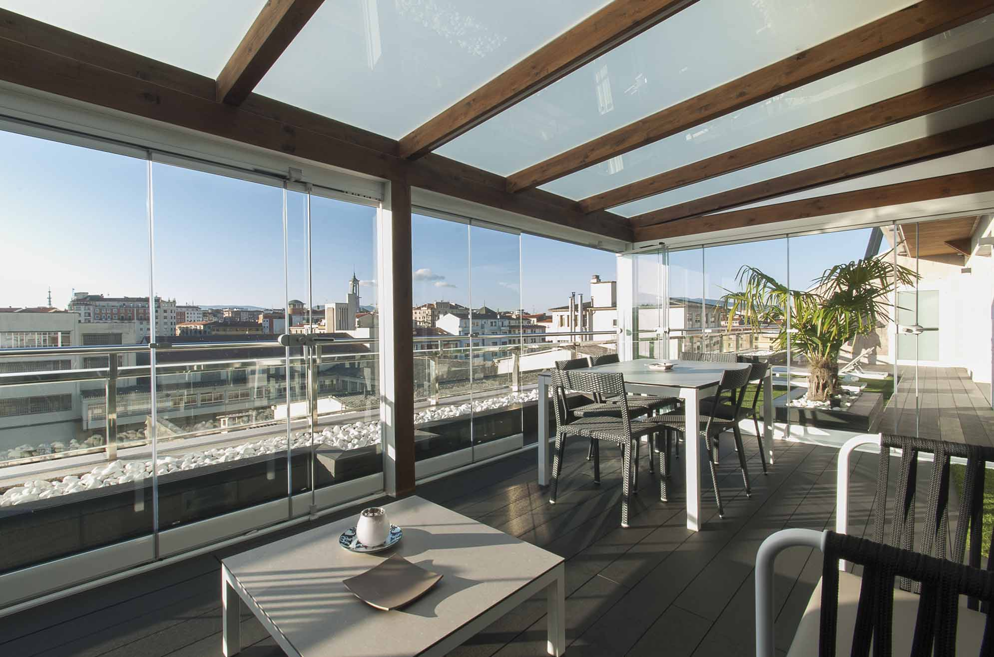 porche-acristalado-terraza-atico-pamplona-11