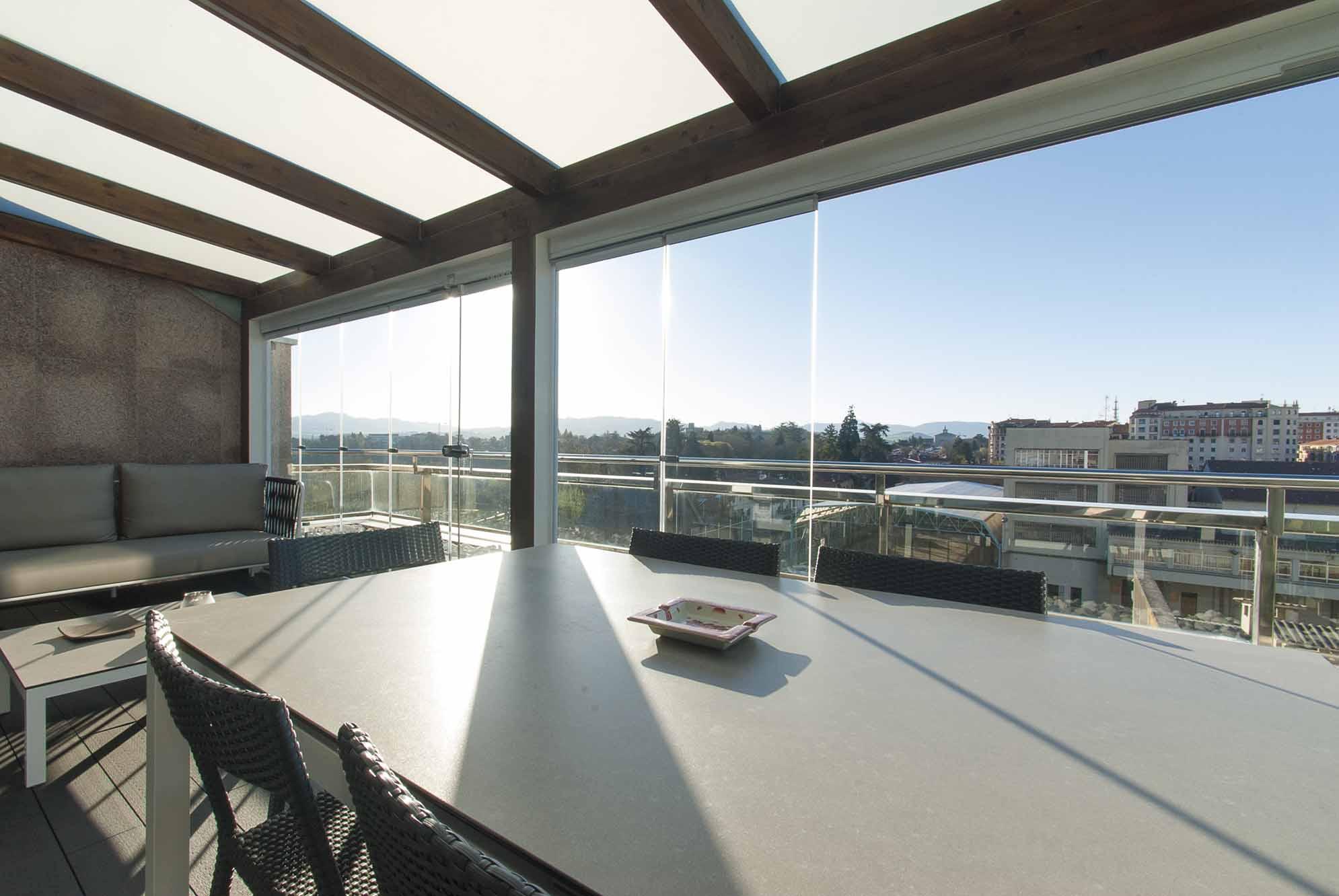 porche-acristalado-terraza-atico-pamplona-13