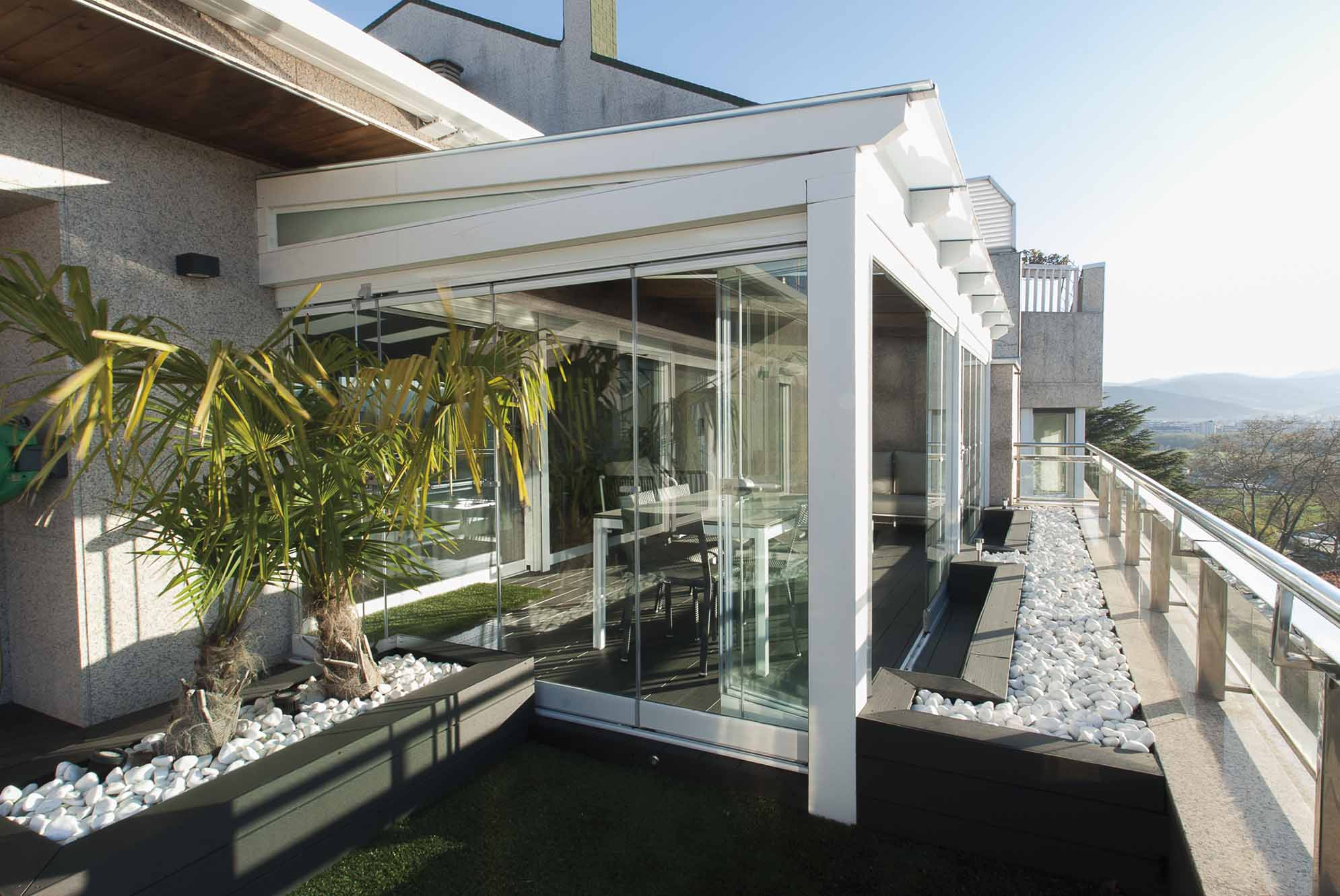 porche-acristalado-terraza-atico-pamplona-4