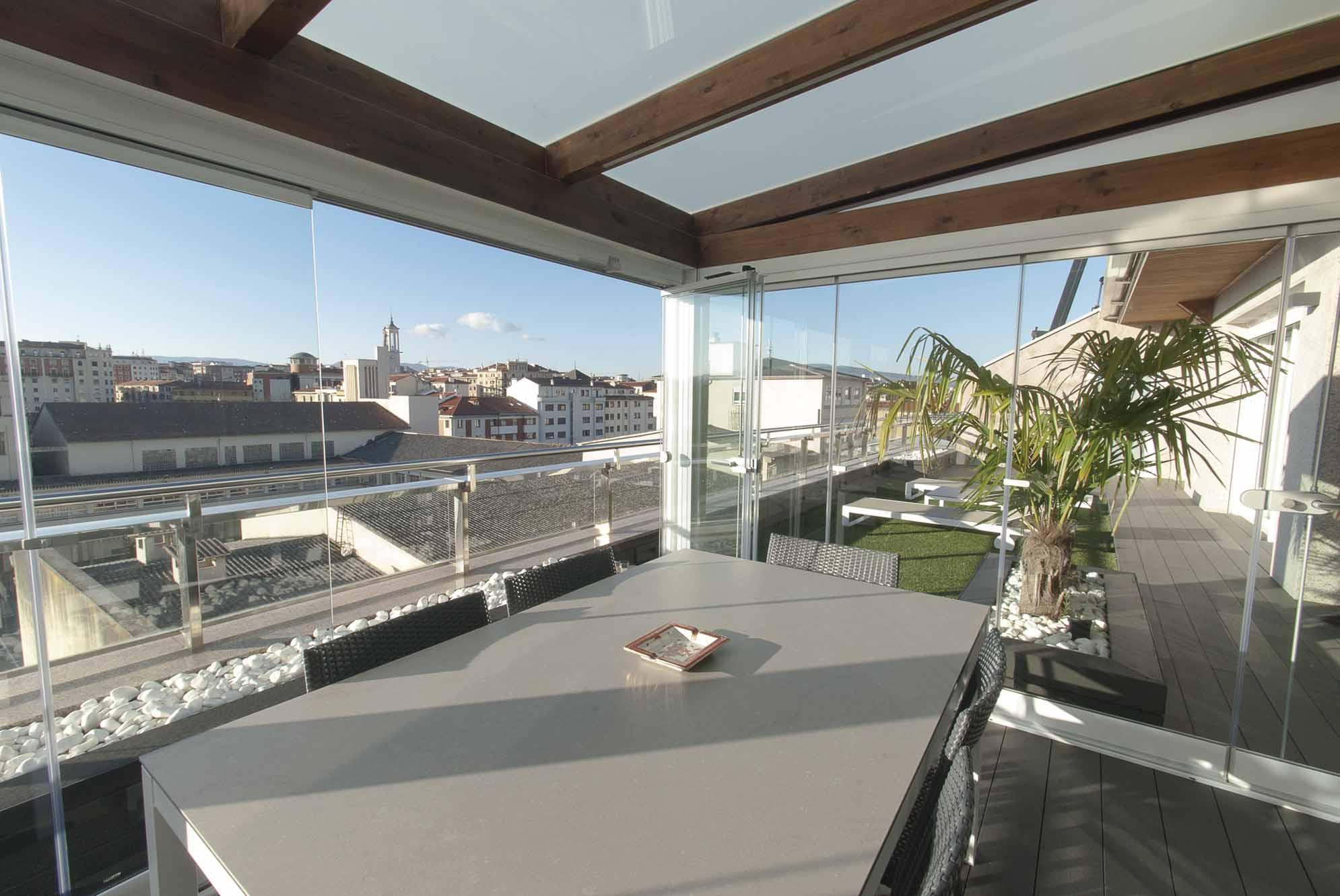 porche-acristalado-terraza-atico-pamplona-6