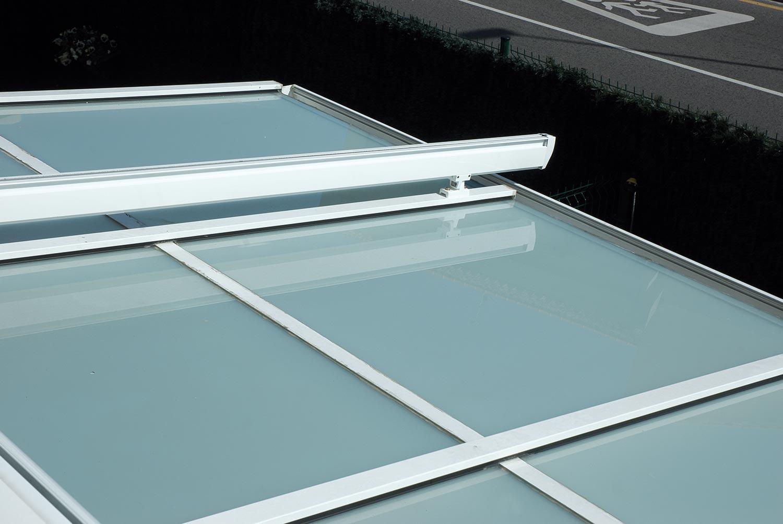 Porche de aluminio acristalado con cortinas de cristal - Porches de aluminio y cristal ...