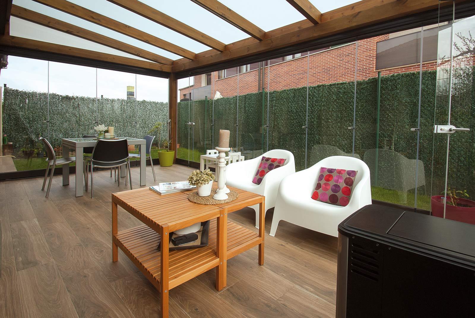 porche-jardin-madera-cristal-lumon-cerrado-abierto-11