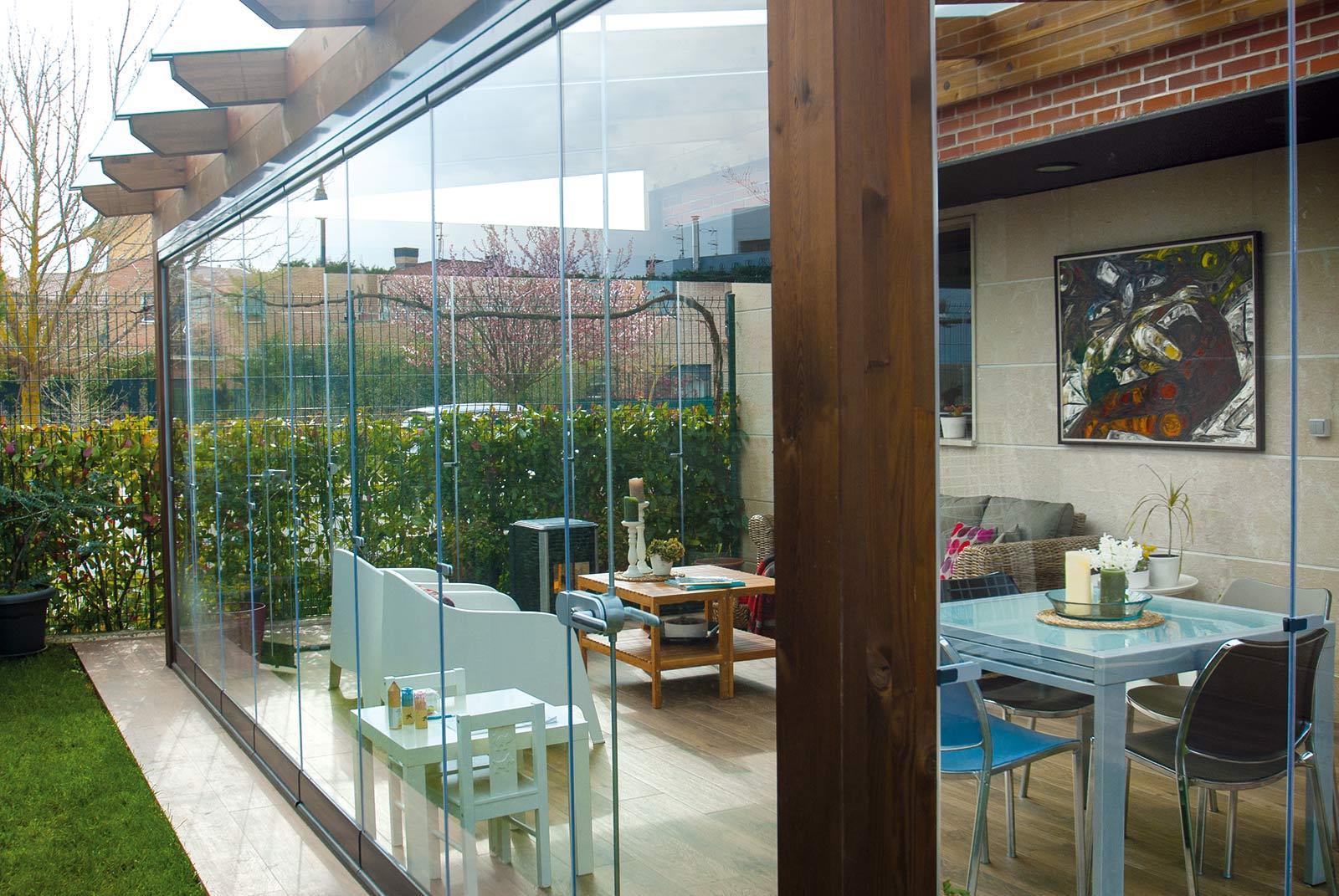 porche-jardin-madera-cristal-lumon-cerrado-abierto-14