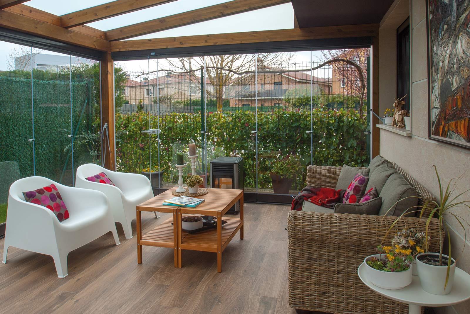 porche-jardin-madera-cristal-lumon-cerrado-abierto-15