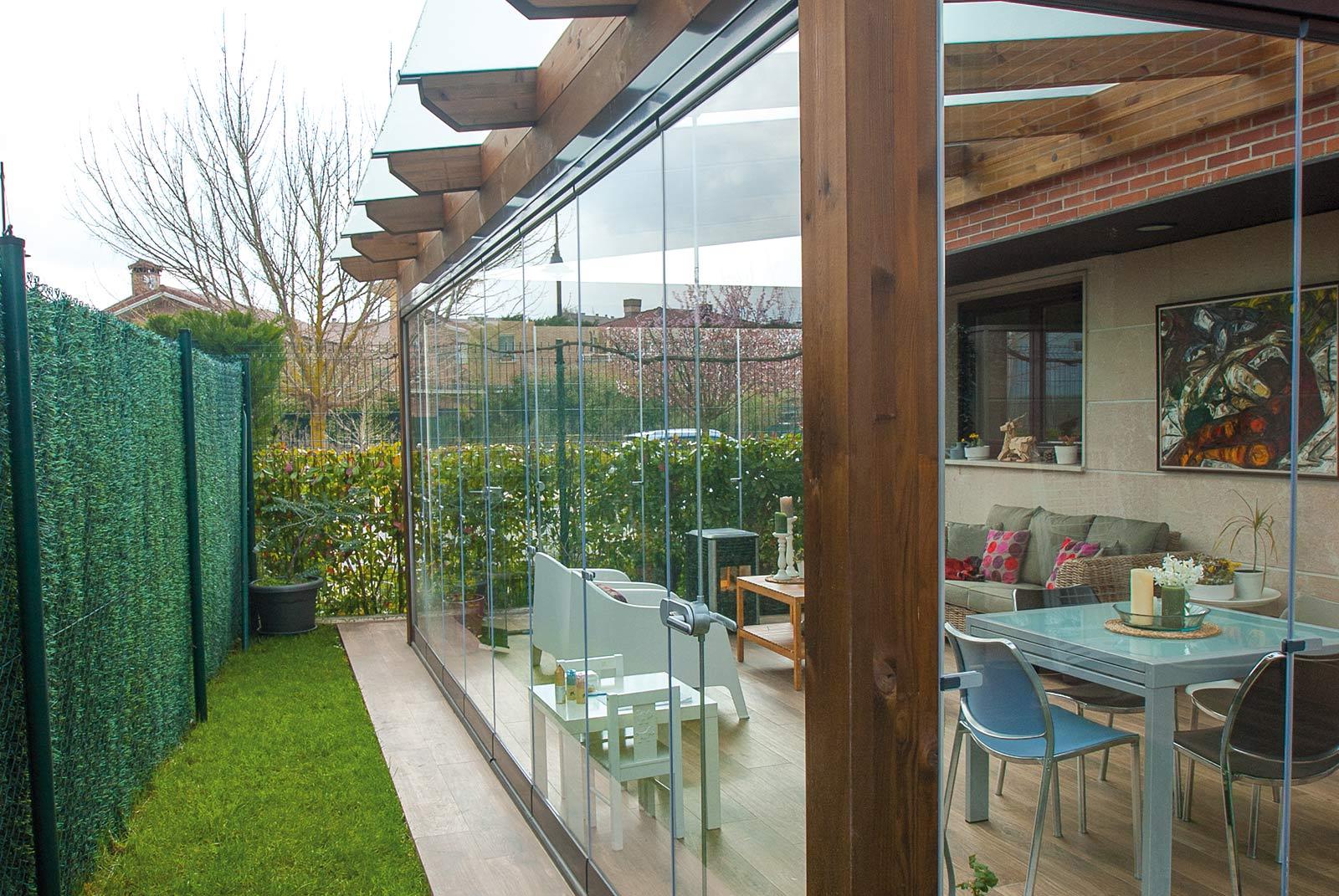 porche-jardin-madera-cristal-lumon-cerrado-abierto-17