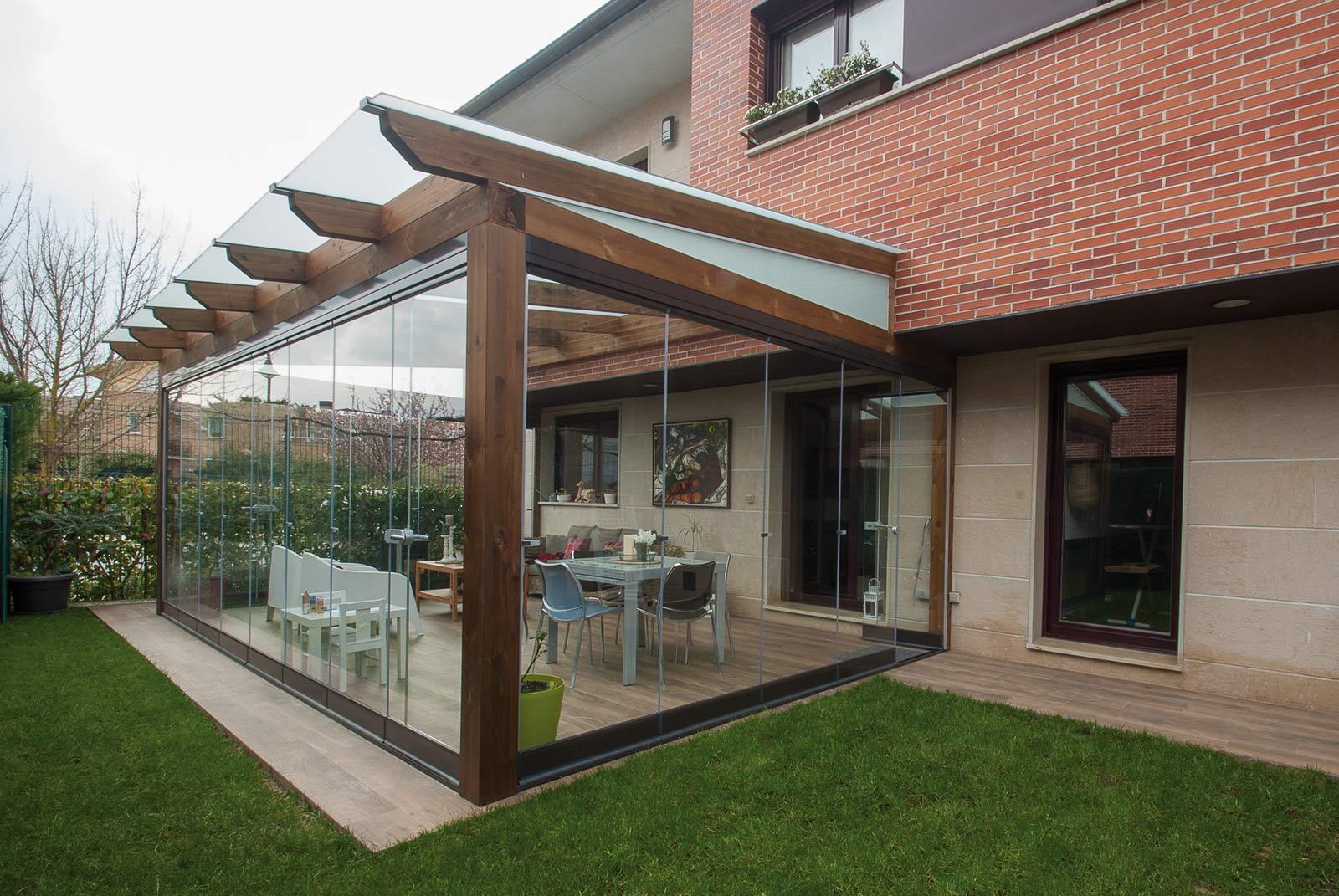 porche-jardin-madera-cristal-lumon-cerrado-abierto-6