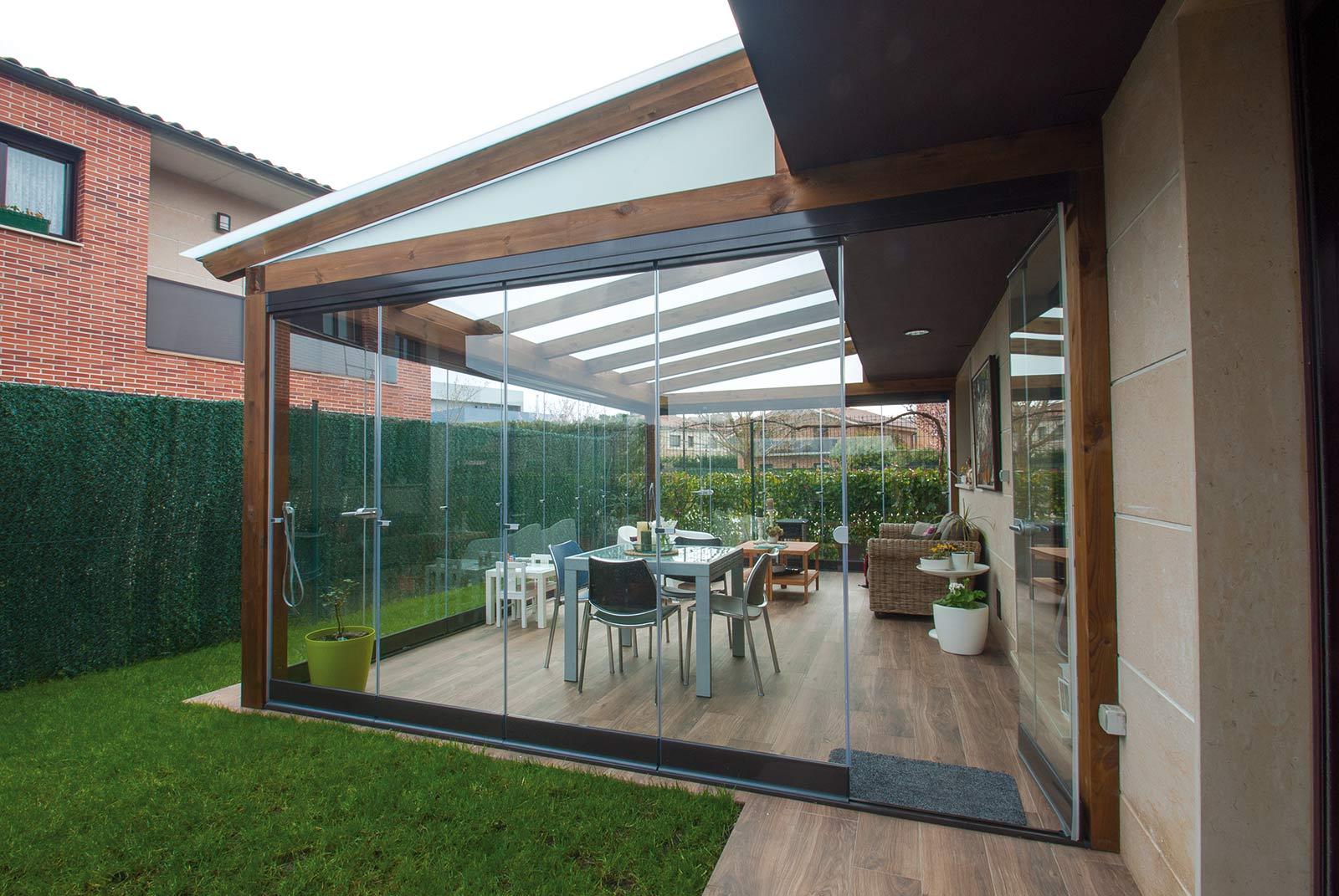 porche-jardin-madera-cristal-lumon-cerrado-abierto-8