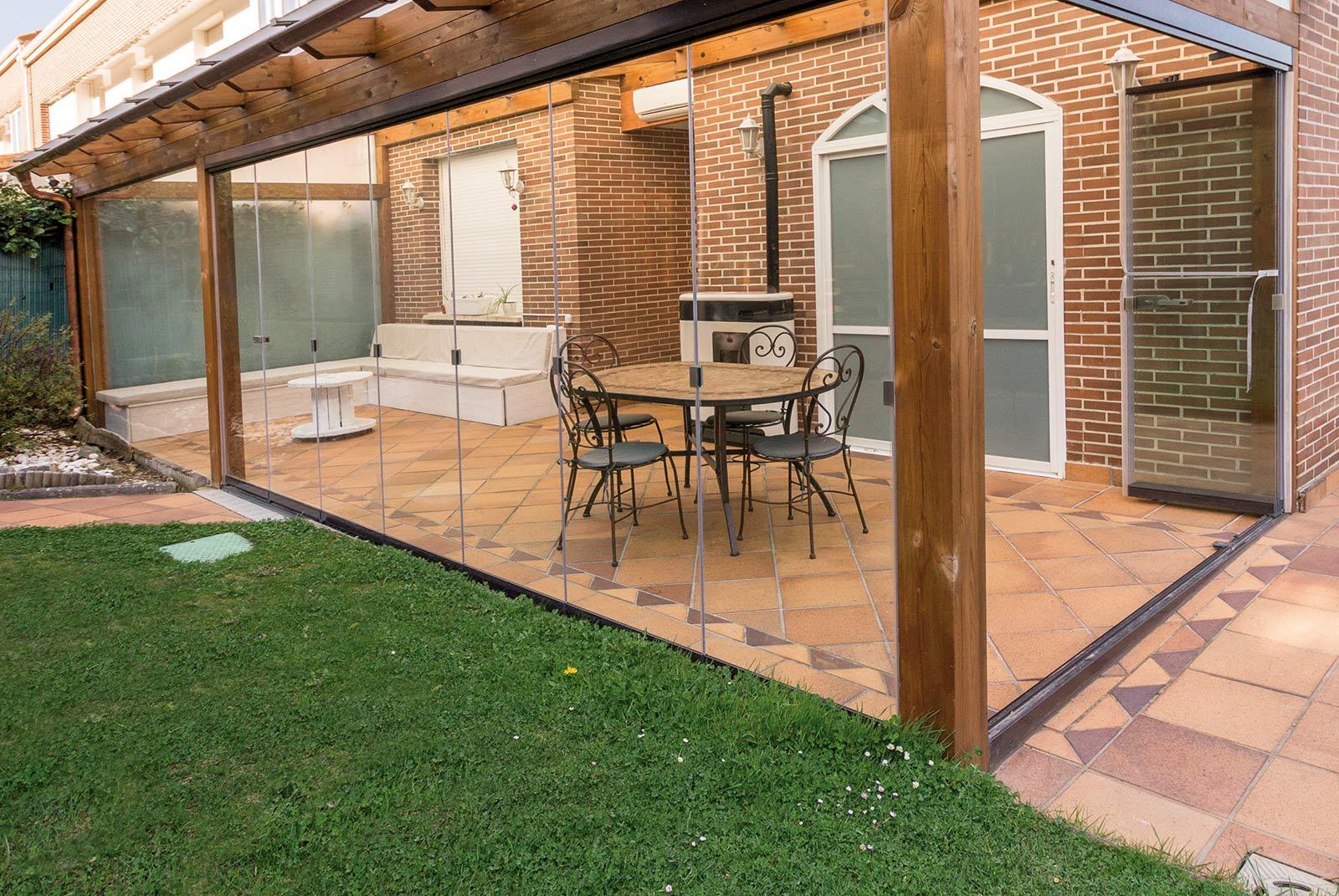 porche-jardin-madera-cristal-lumon-estufa-navarra-10
