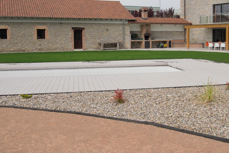 tarima-exterior-piscina-jardin-aridos-7