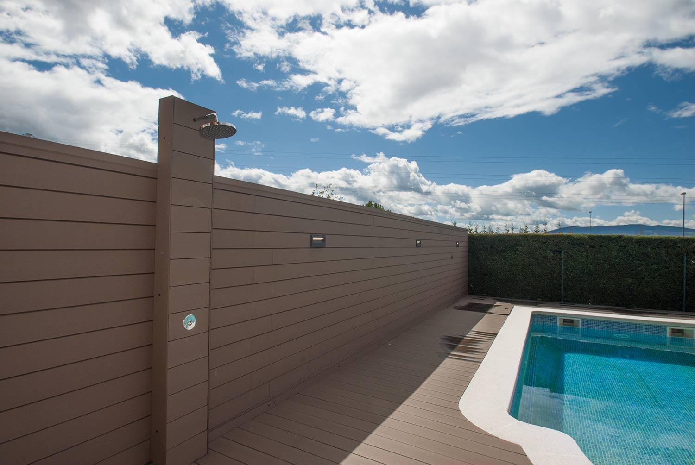 tarima-sintetica-exterior-piscina-3