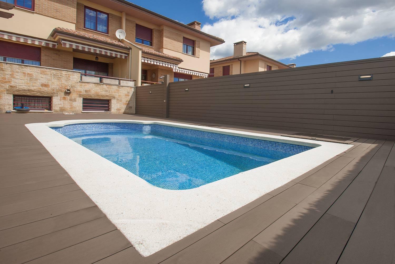 tarima-sintetica-exterior-piscina-4