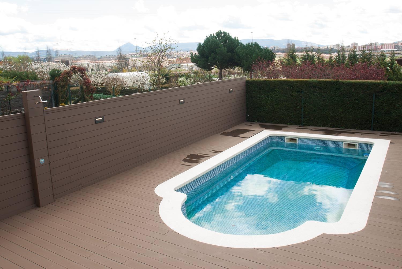 tarima-sintetica-exterior-piscina-6