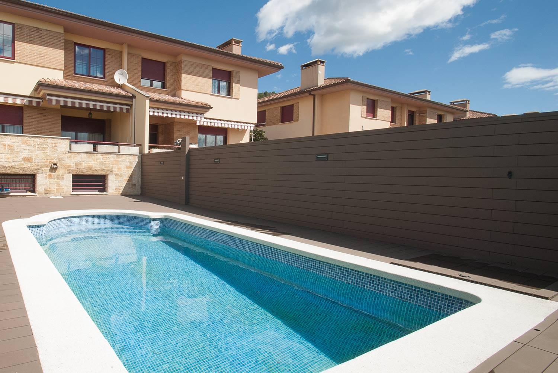 tarima-sintetica-exterior-piscina-7