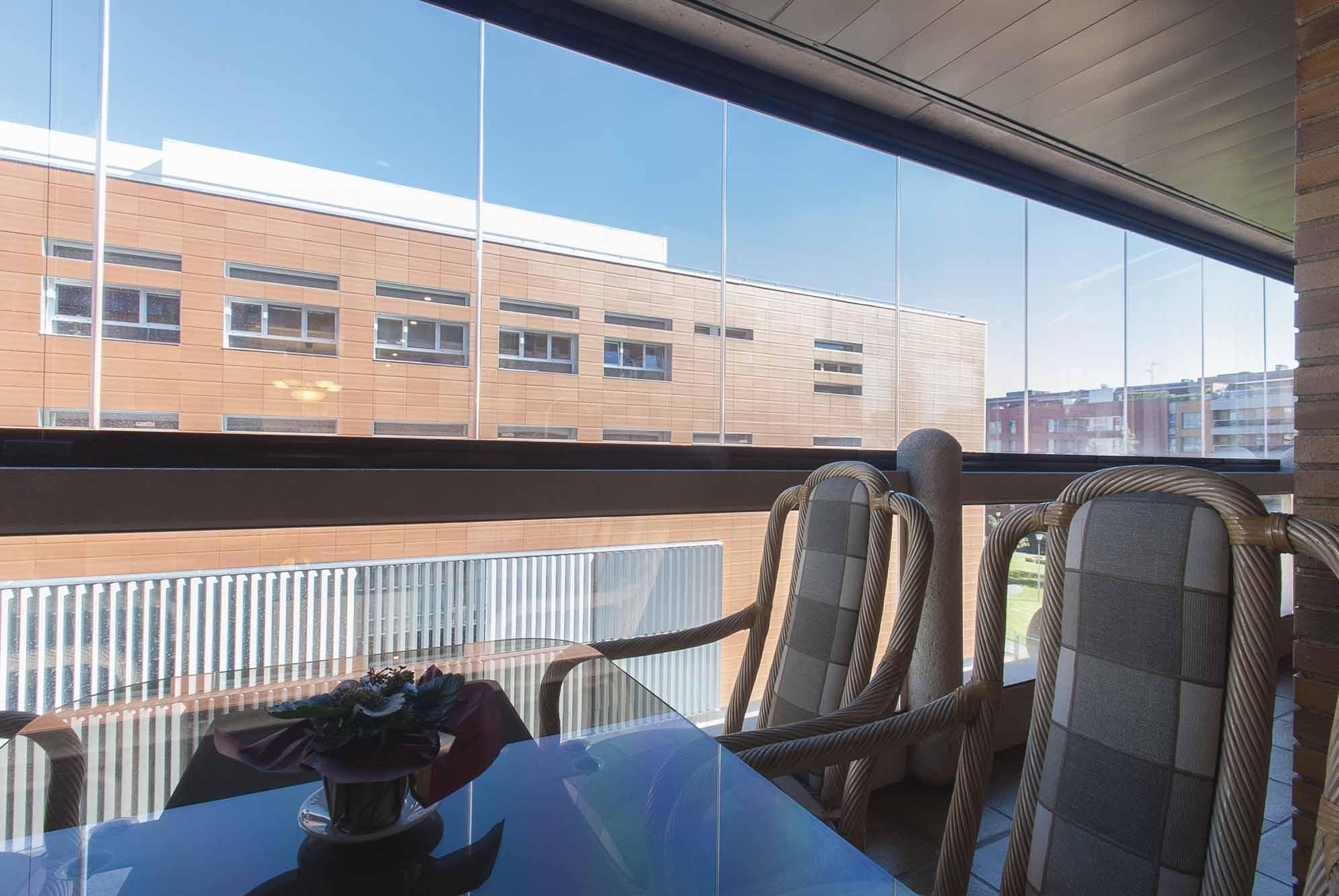 terraza-balcon-cerramiento-cortinas-cristal-lumon-1